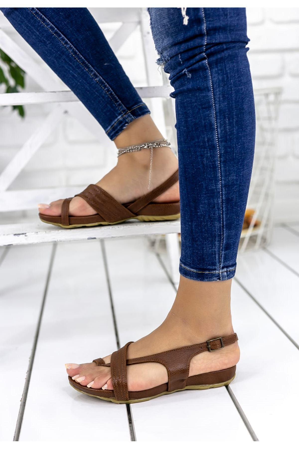 Alya Mat Deri Çapraz Bant Kadın Sandalet Taba