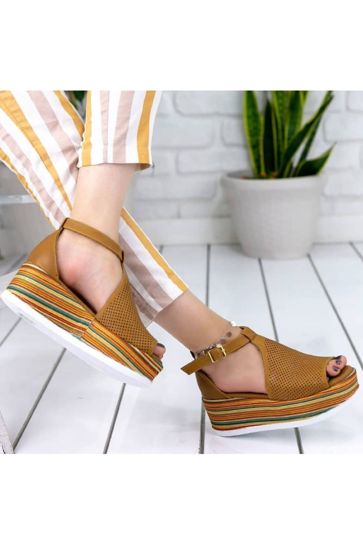 Guja Mat Deri dolgu Topuk Sandalet Hardal