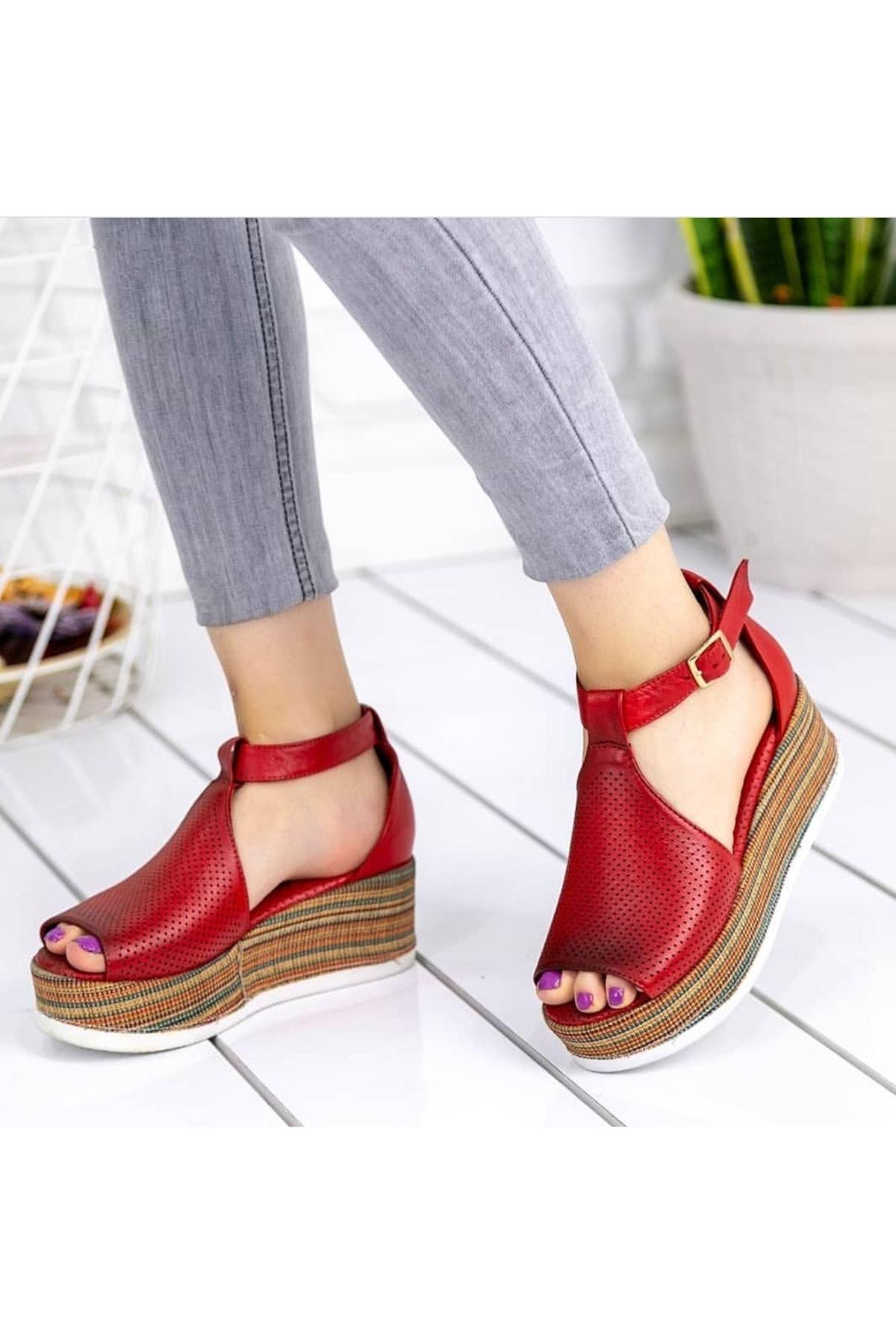 Guja Mat Deri dolgu Topuk Sandalet Kırmızı