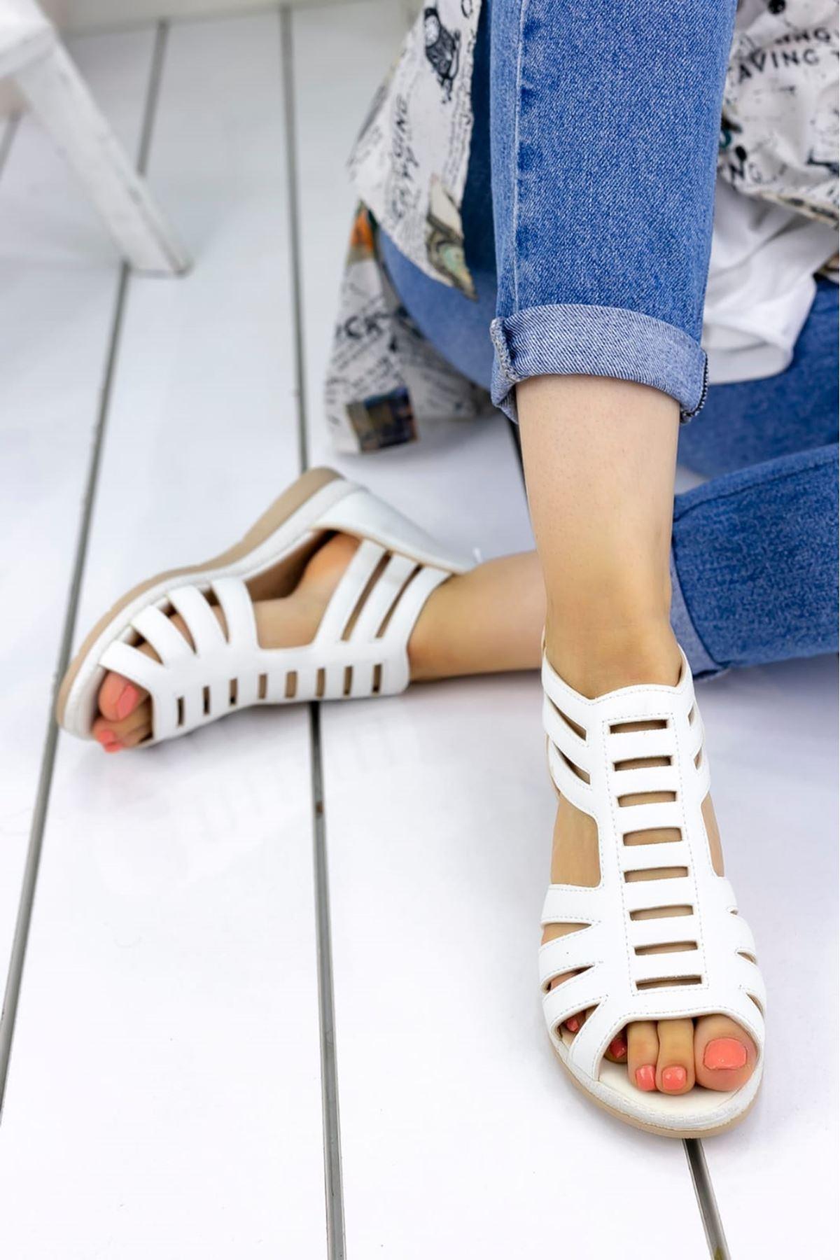 Shiro Mat Deri Sandalet Beyaz