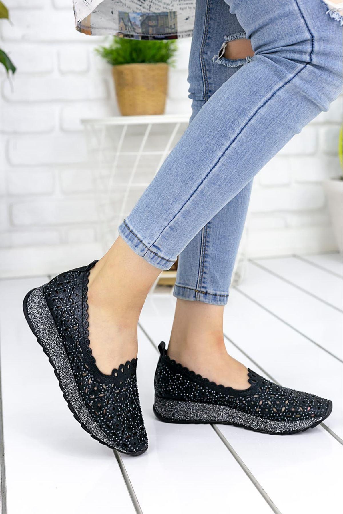 Brawer Rugan Lazer Kesim Detay Taşlı Kadın Ayakkabı Siyah