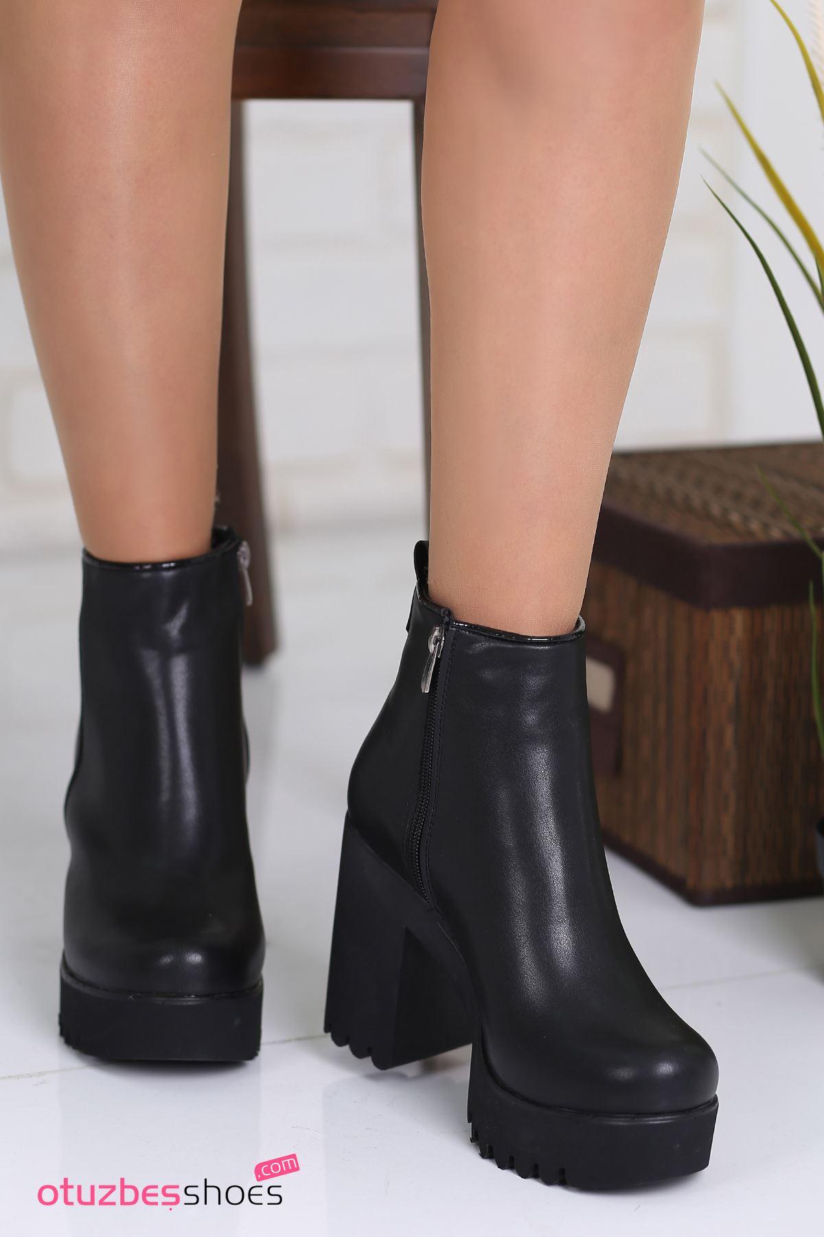 Benna Mat Deri Dikiş Detay Kalın Topuk Bot Siyah