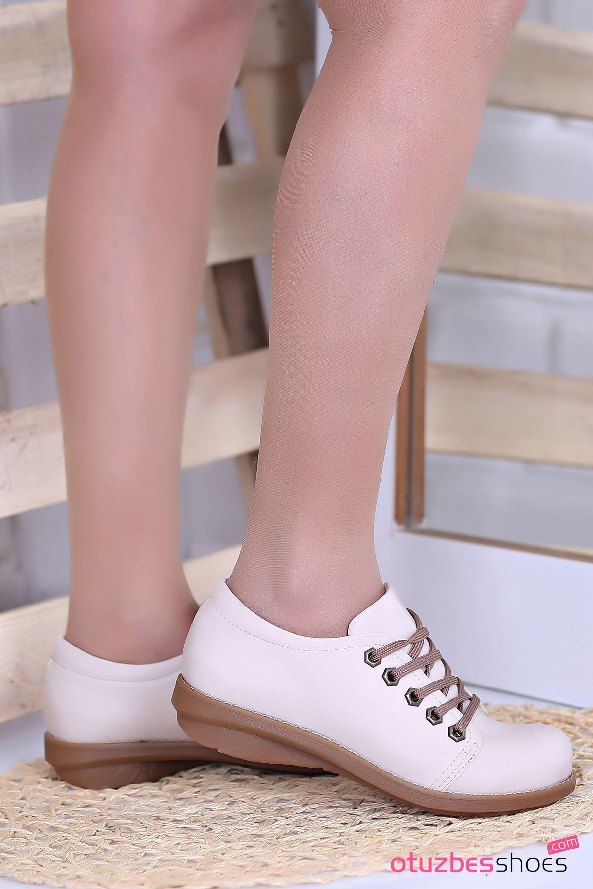 Derina Mat Deri Bağcık Detay Ayakkabı Bej