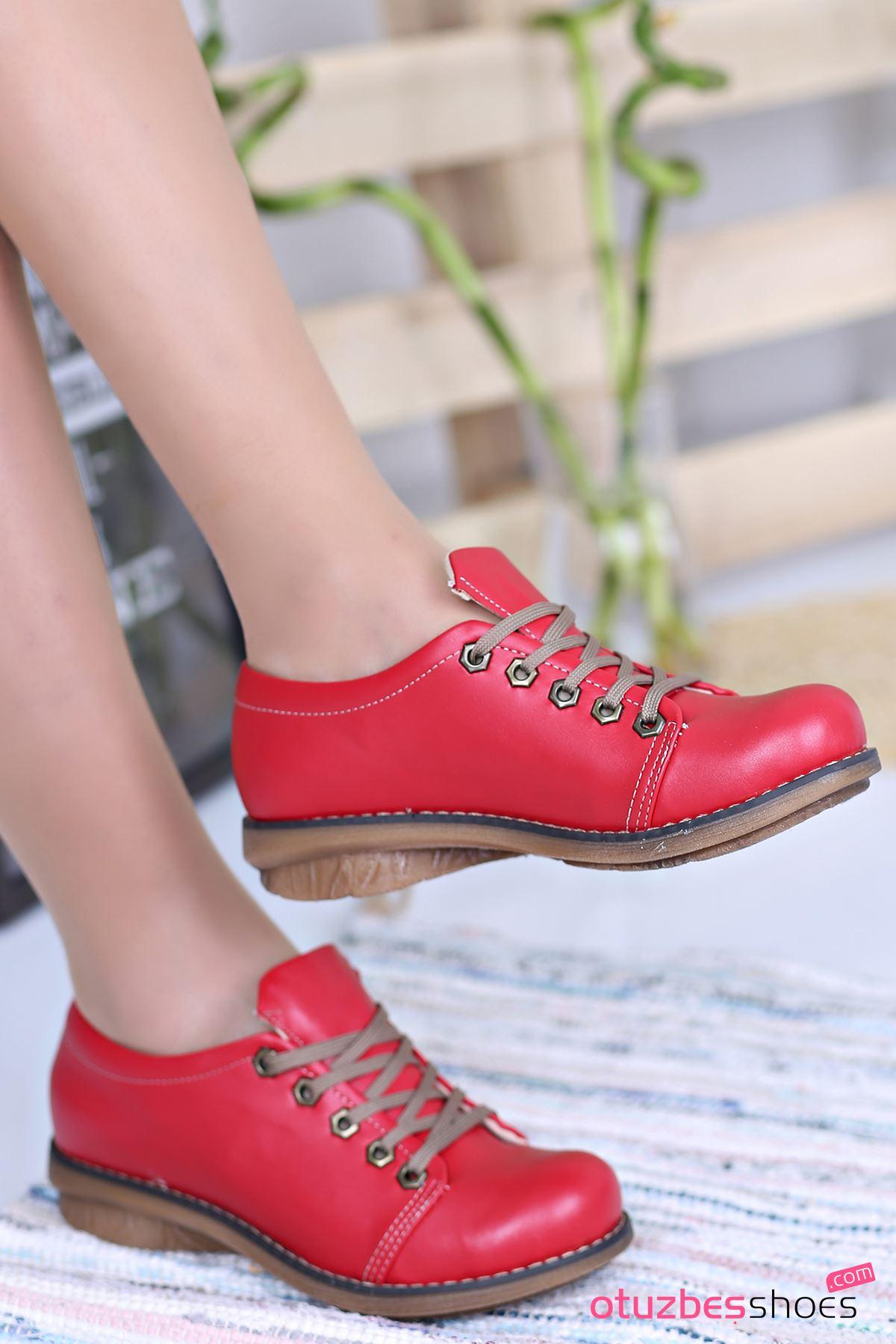 Derina Mat Deri Bağcık Detay Ayakkabı Kırmızı