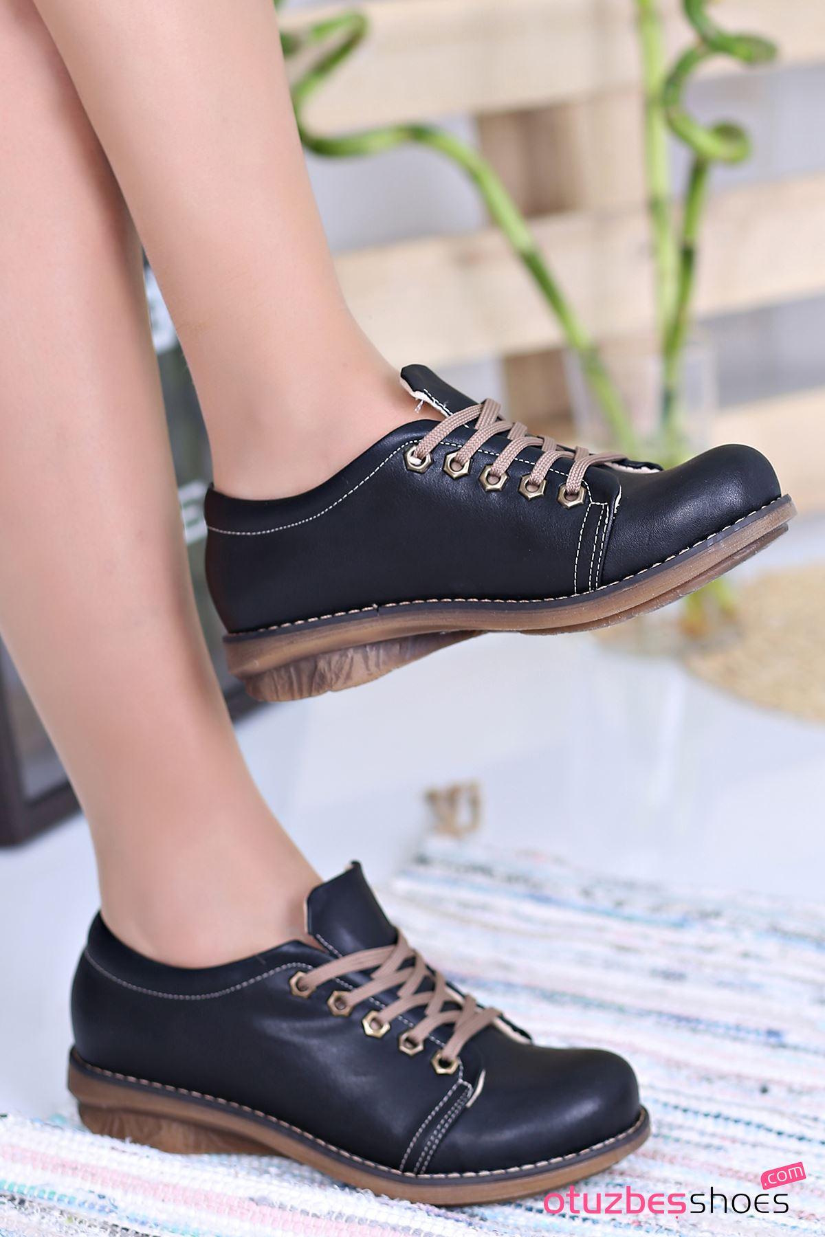 Derina Mat Deri Bağcık Detay Ayakkabı Siyah