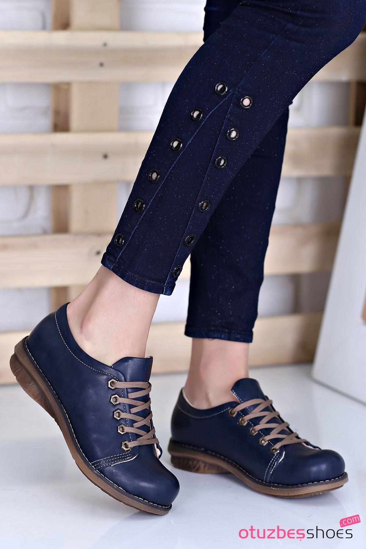 Derina Mat Deri Bağcık Detay Ayakkabı Lacivert