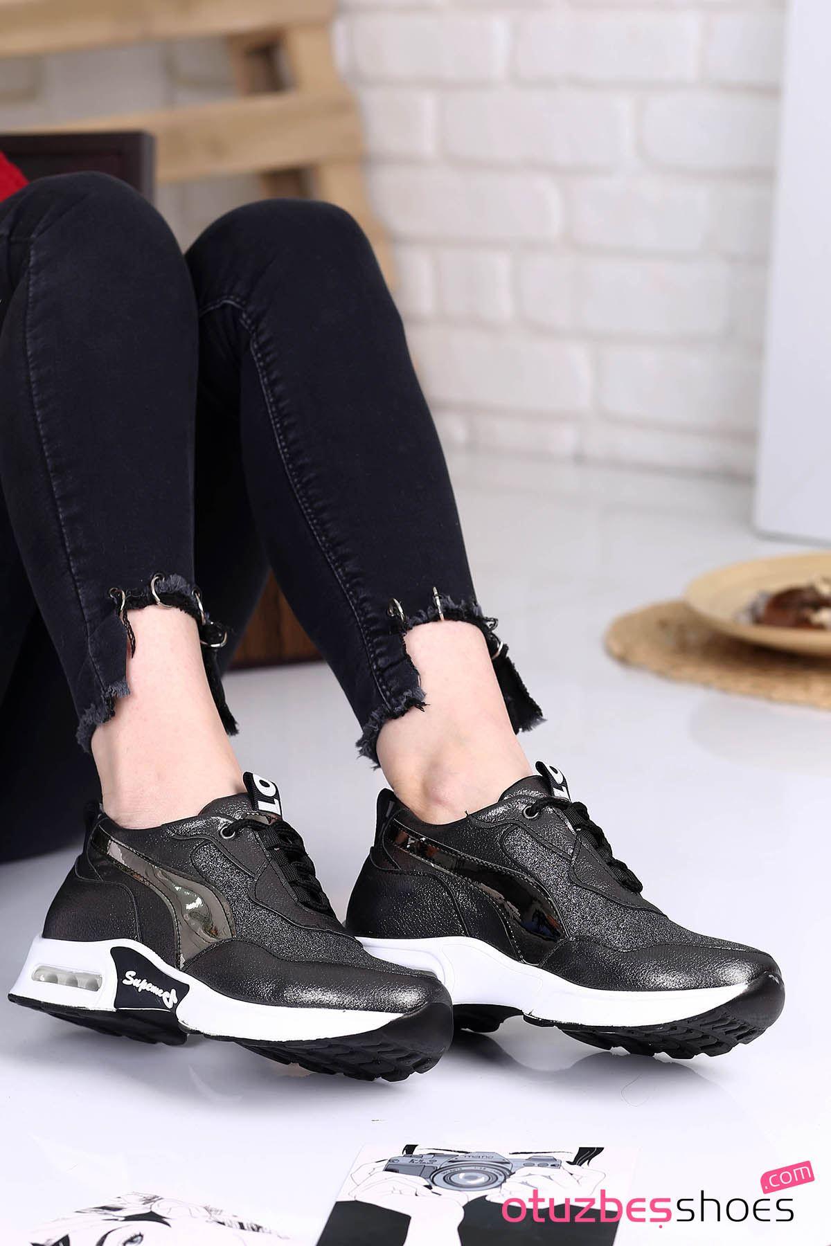 Sonoo Hava Tabanlı Etiket Detaylı Kadın Spor Ayakkabı Platin