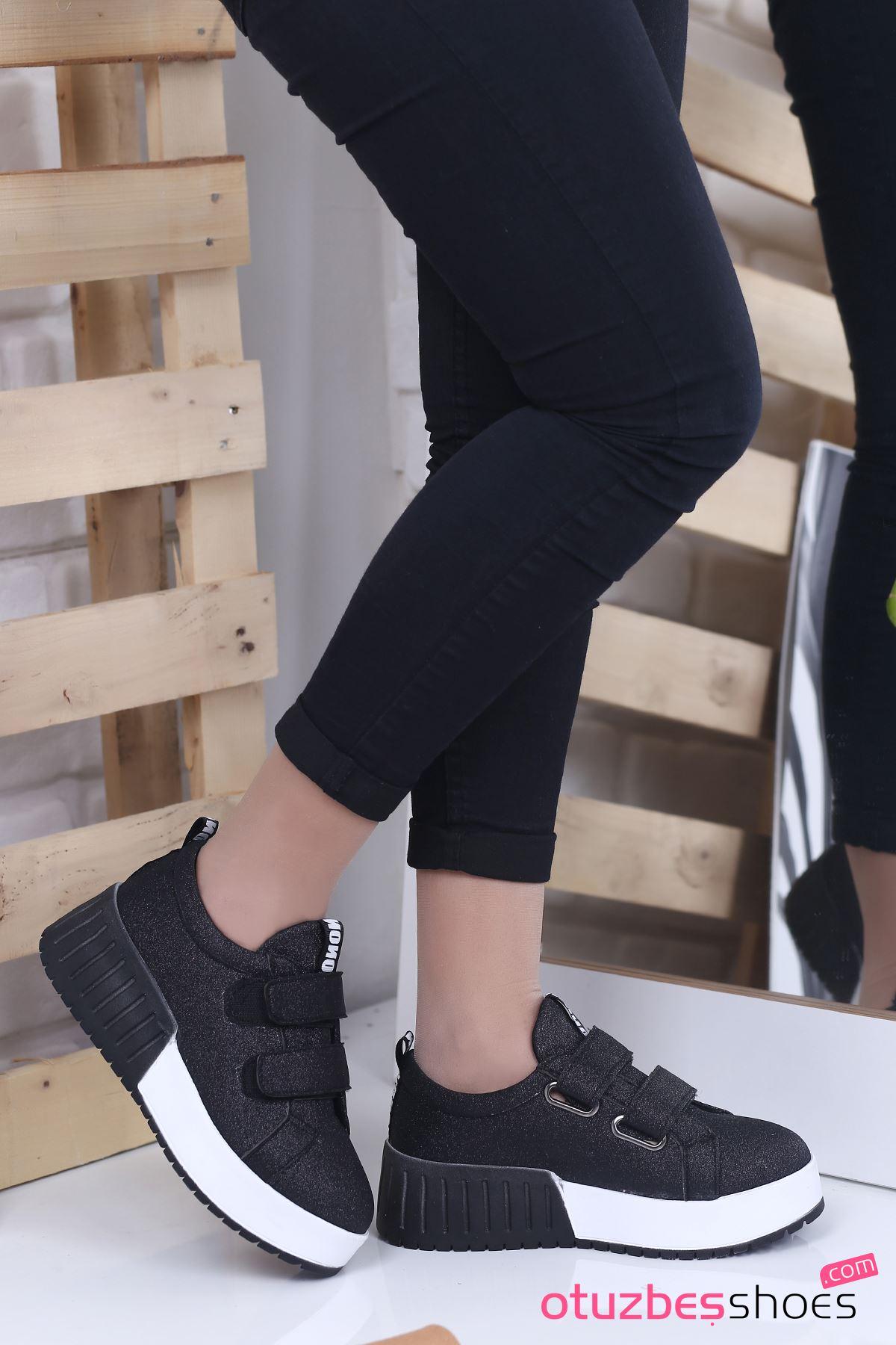 Mosso Simli Cırt Detay Spor Ayakkabı Siyah