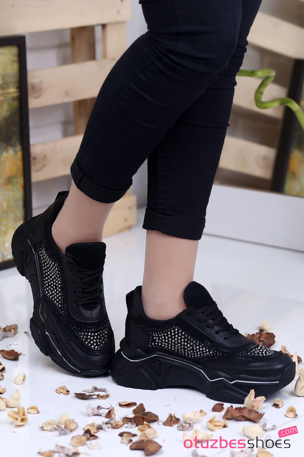 Ahu Süet Beyaz Şeritli Taş Detay Spor Ayakkabı Siyah