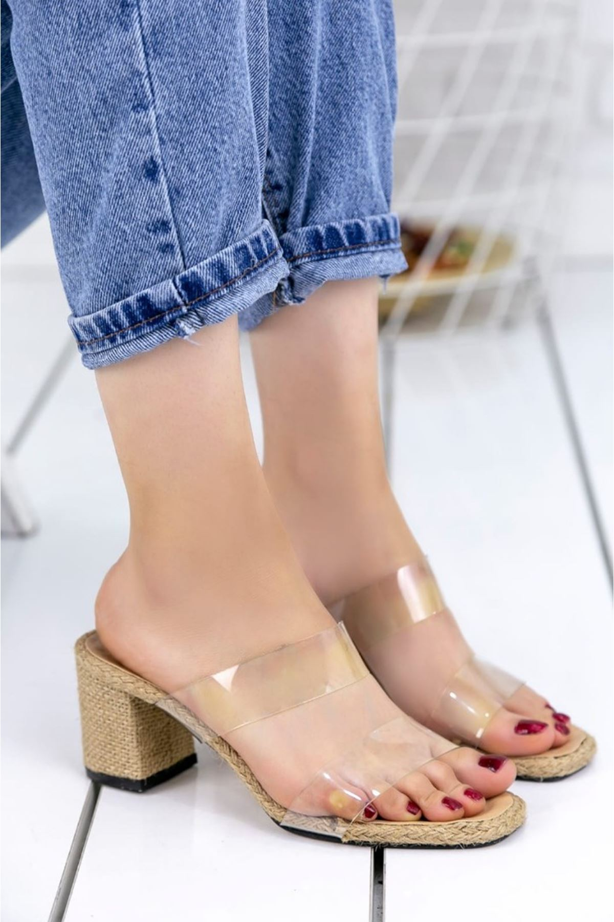 Samantha Şeffaf Detay Tek Bant Topuklu Kadın Terlik