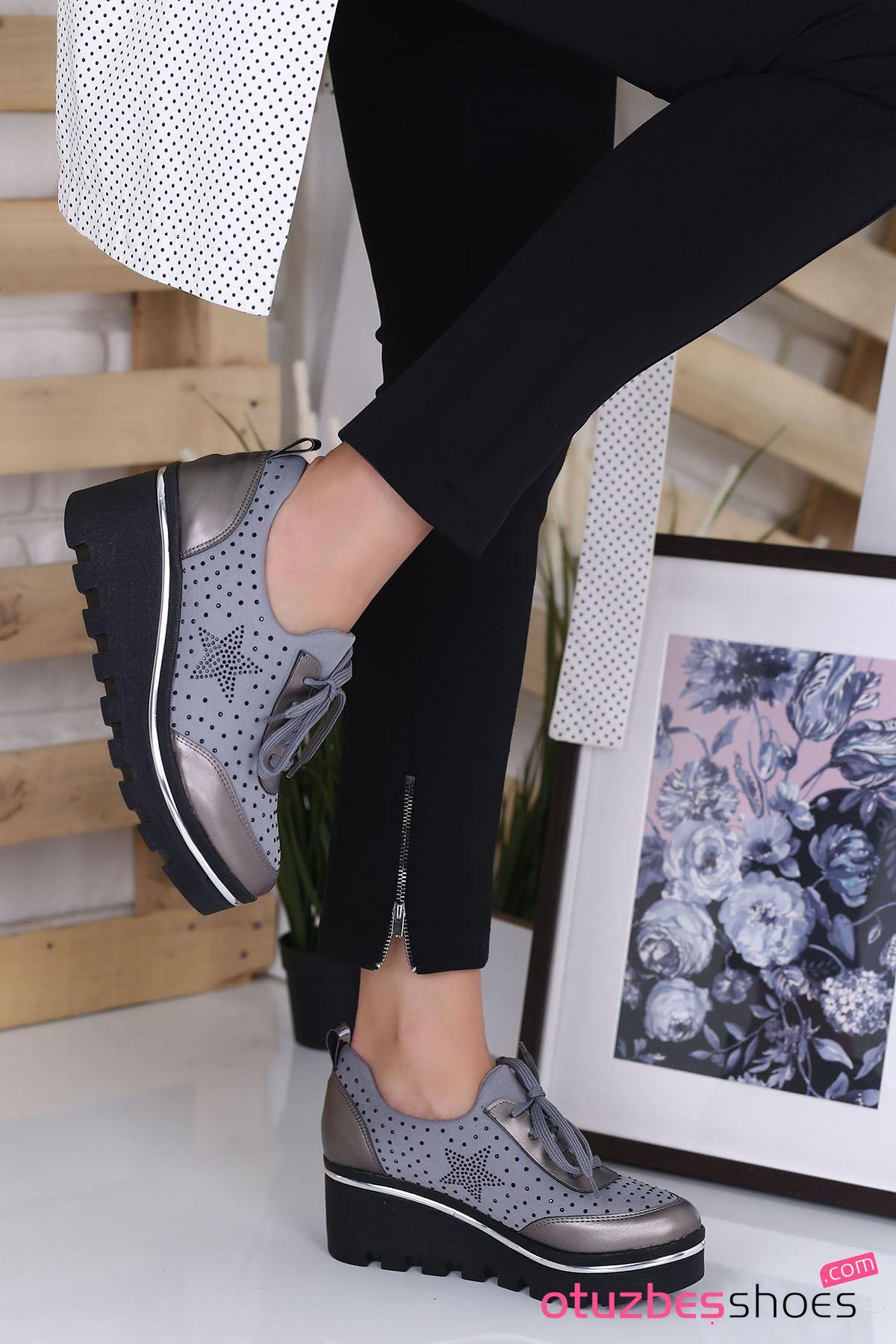 Wassa Dalgıç Kumaş Taş Detay Dolgu Topuk Ayakkabı Gri
