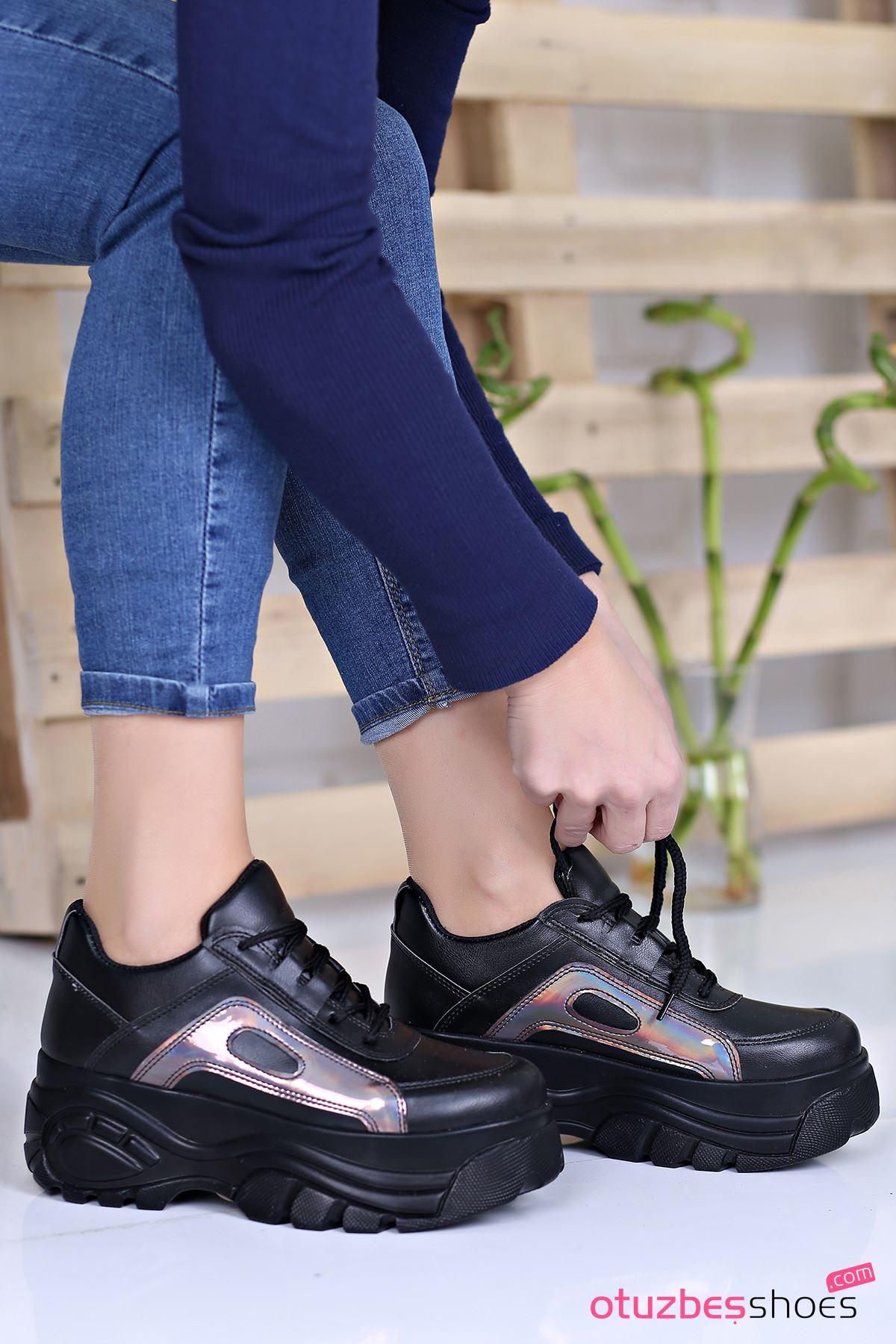Agnes Mat Deri Hologram Detay Kalın Taban Spor Ayakkabı Siyah