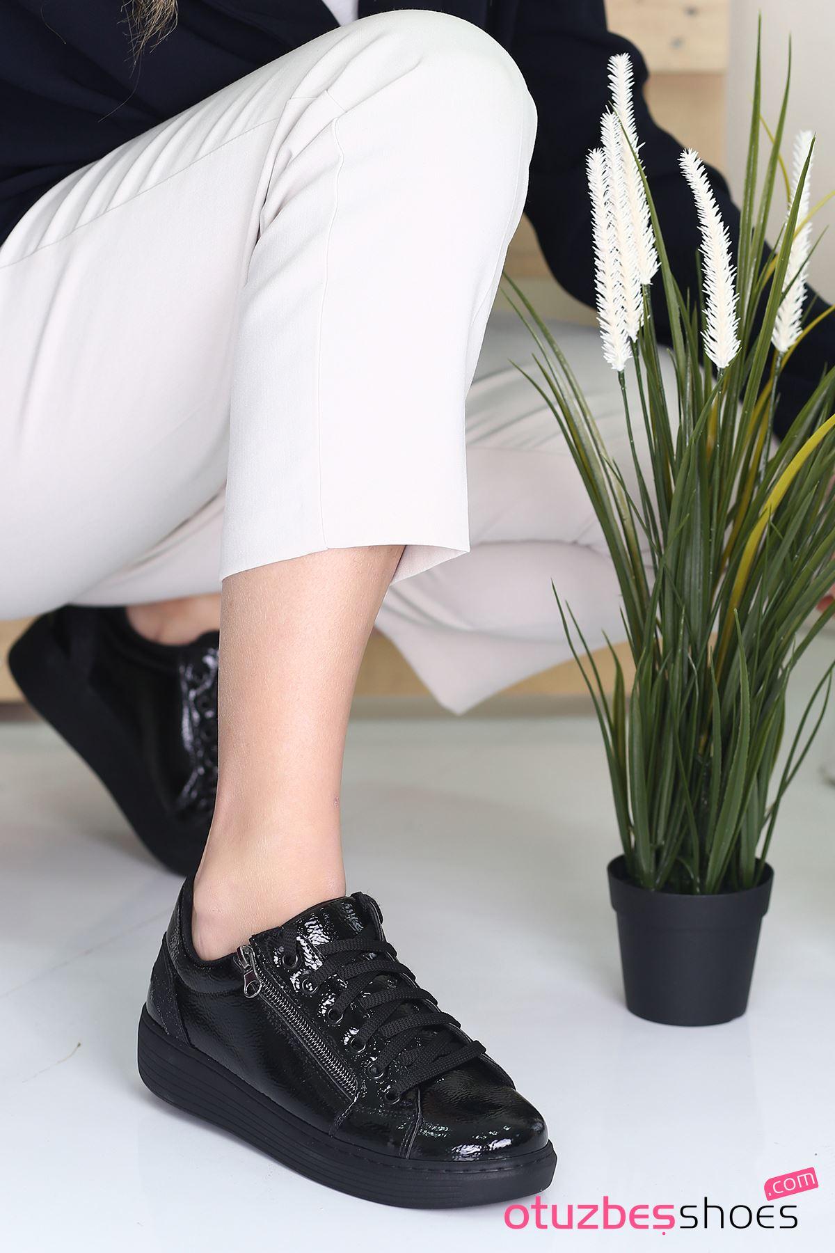 Belisa Rugan Fermuar Aksesuarlı Sneakers Siyah