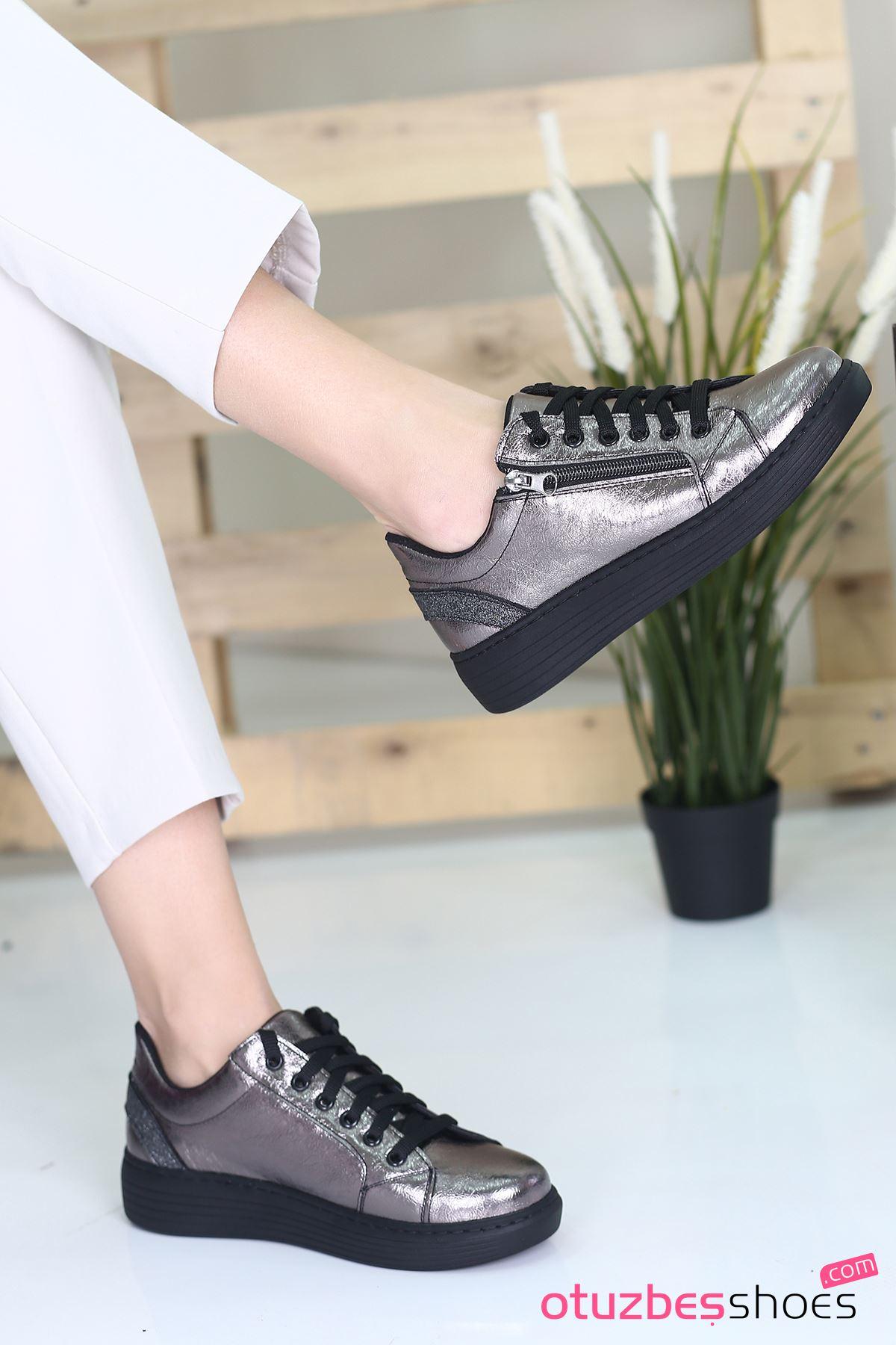 Belisa Rugan Fermuar Aksesuarlı Sneakers Platin