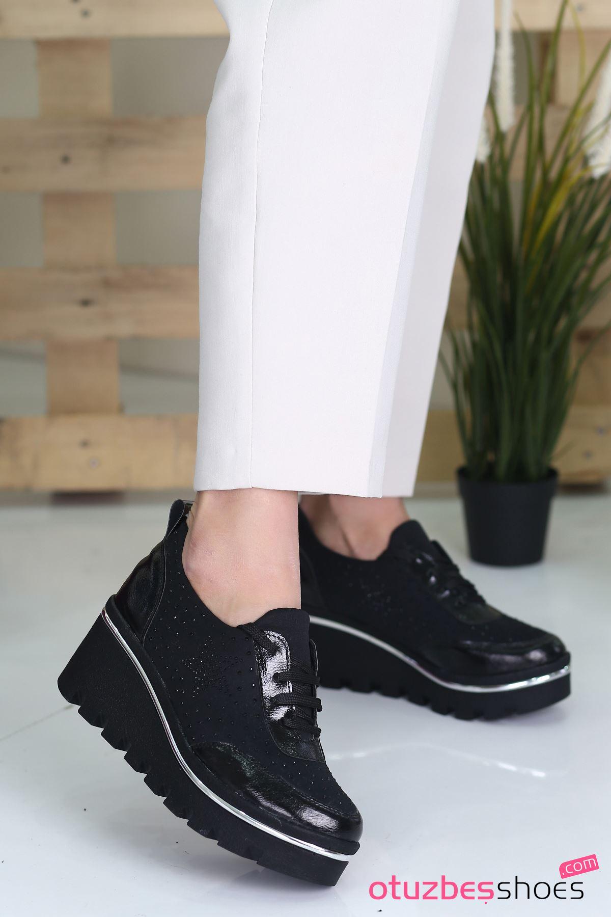 Wassa Dalgıç Kumaş Taş Detay Dolgu Topuk Ayakkabı Siyah