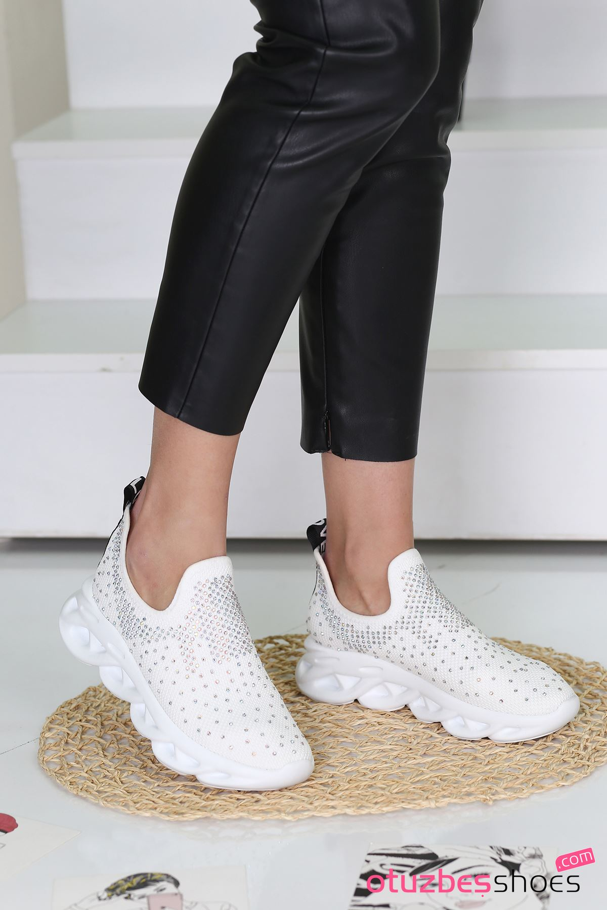 Halley Taş Detay Triko Spor Ayakkabı Beyaz