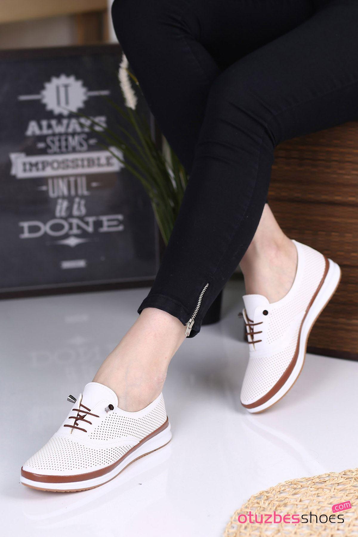 Atom Bağcık Detay Delikli Kadın Ayakkabısı Beyaz