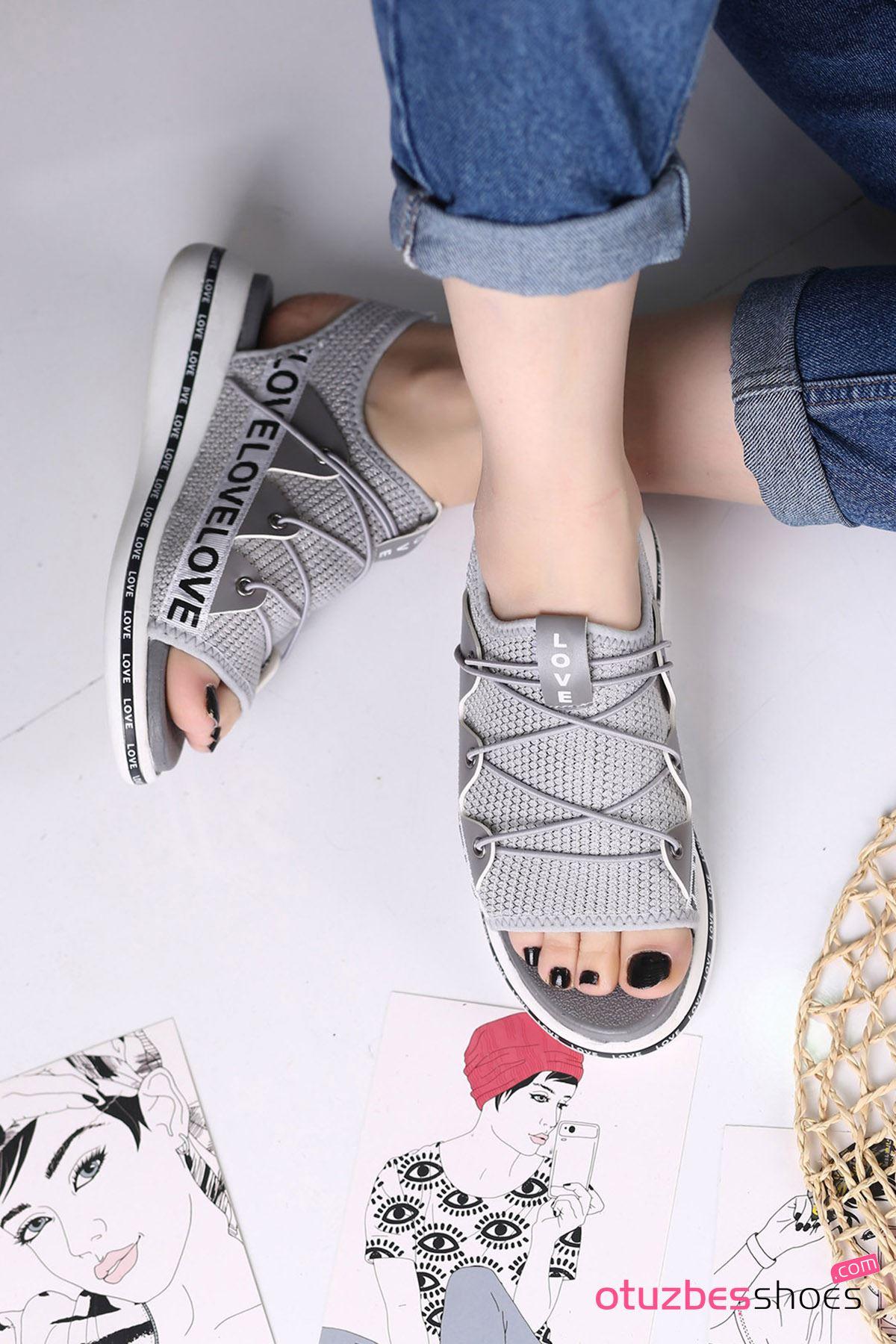 Flor Lastik Detay Likralı Triko Kadın Sandalet Gri