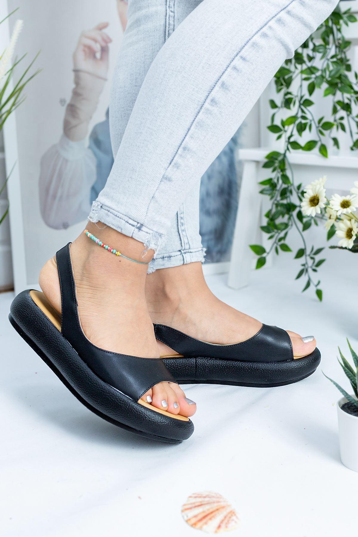 Valeria Mat Deri Tek Bant Kadın Sandalet Siyah