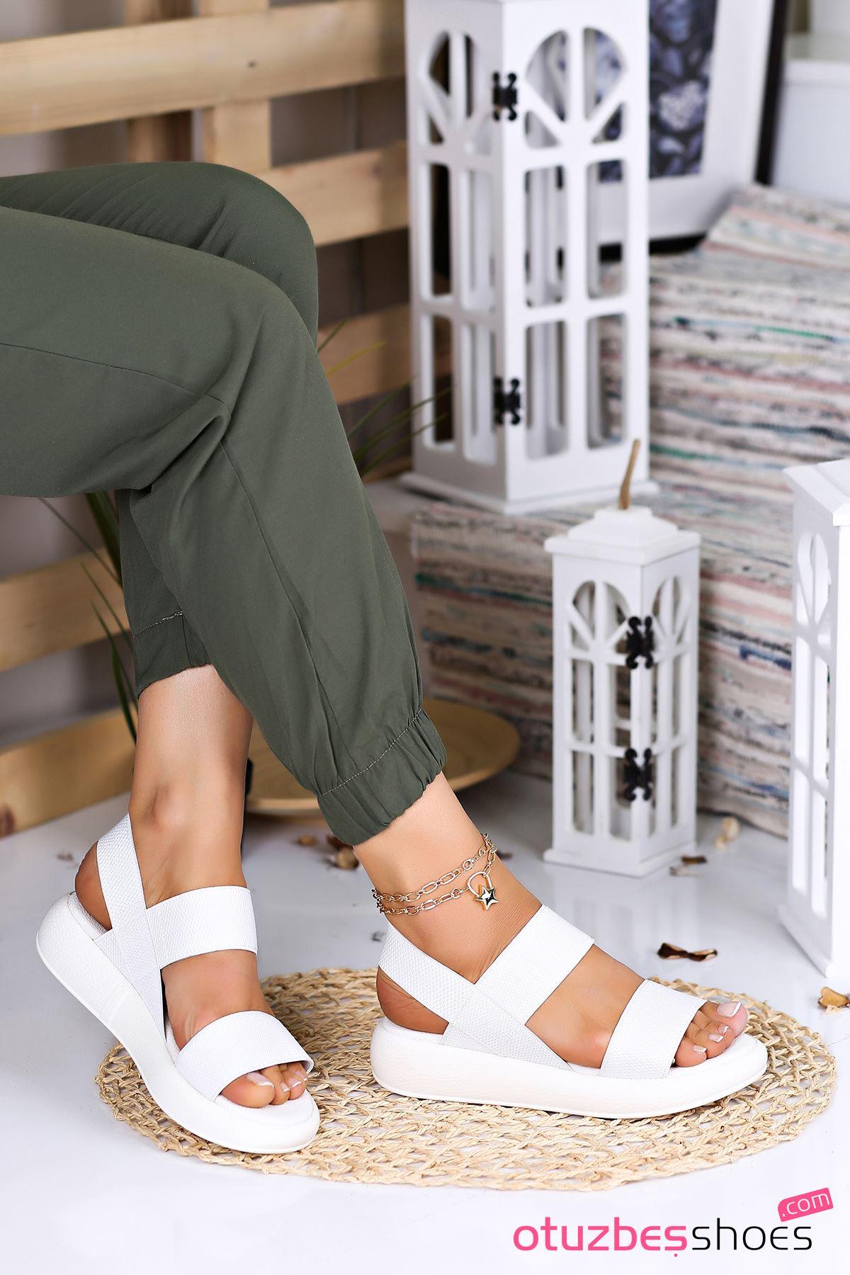 Kista Likralı Lastik Detay Kadın Sandalet Beyaz