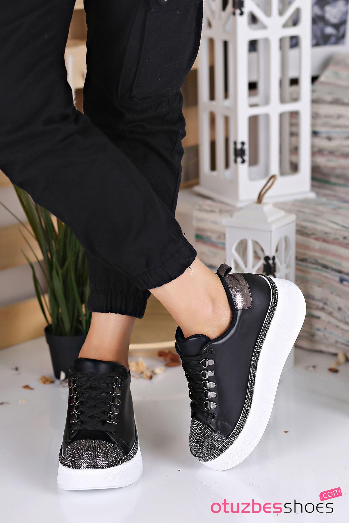 Majör Mat Deri Taş Detay Kalın Taban Spor Ayakkabı Siyah