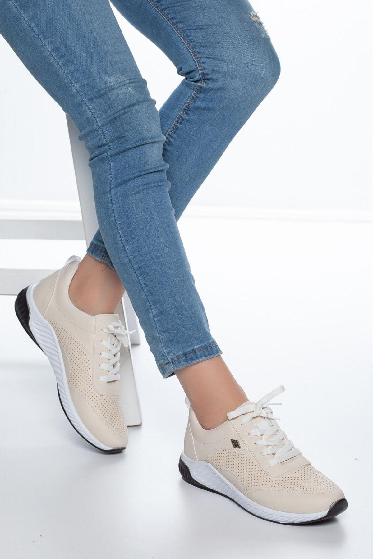 Derin Delik Detay Kadın Spor Ayakkabı Krem
