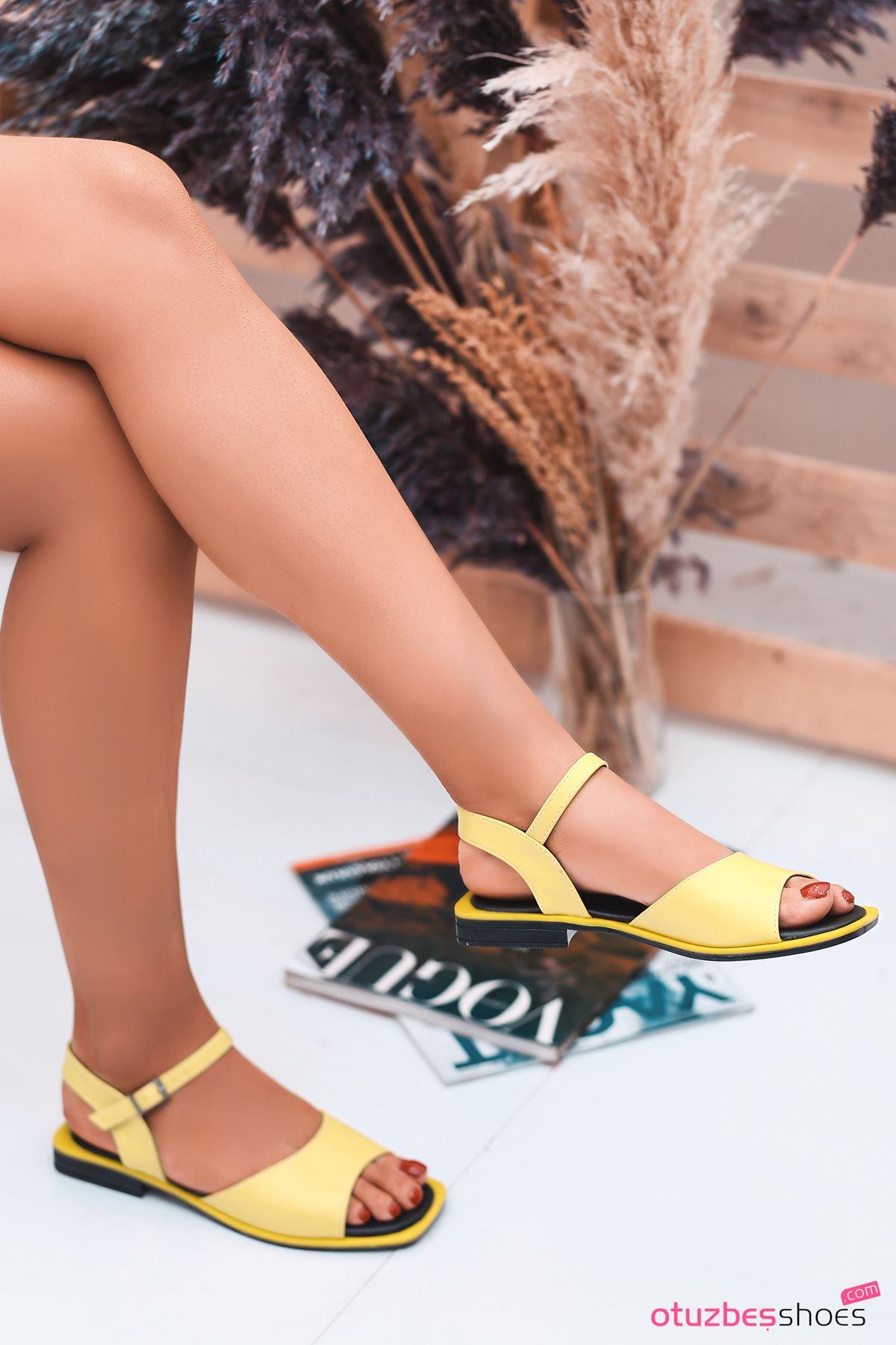 Mista Mat Deri Kadın Sandalet Sarı