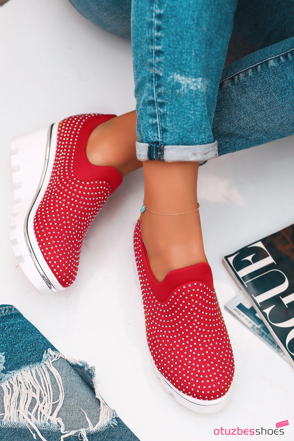 Bratz Taş Detay Dolgu Topuk Ayakkabı Kırmızı
