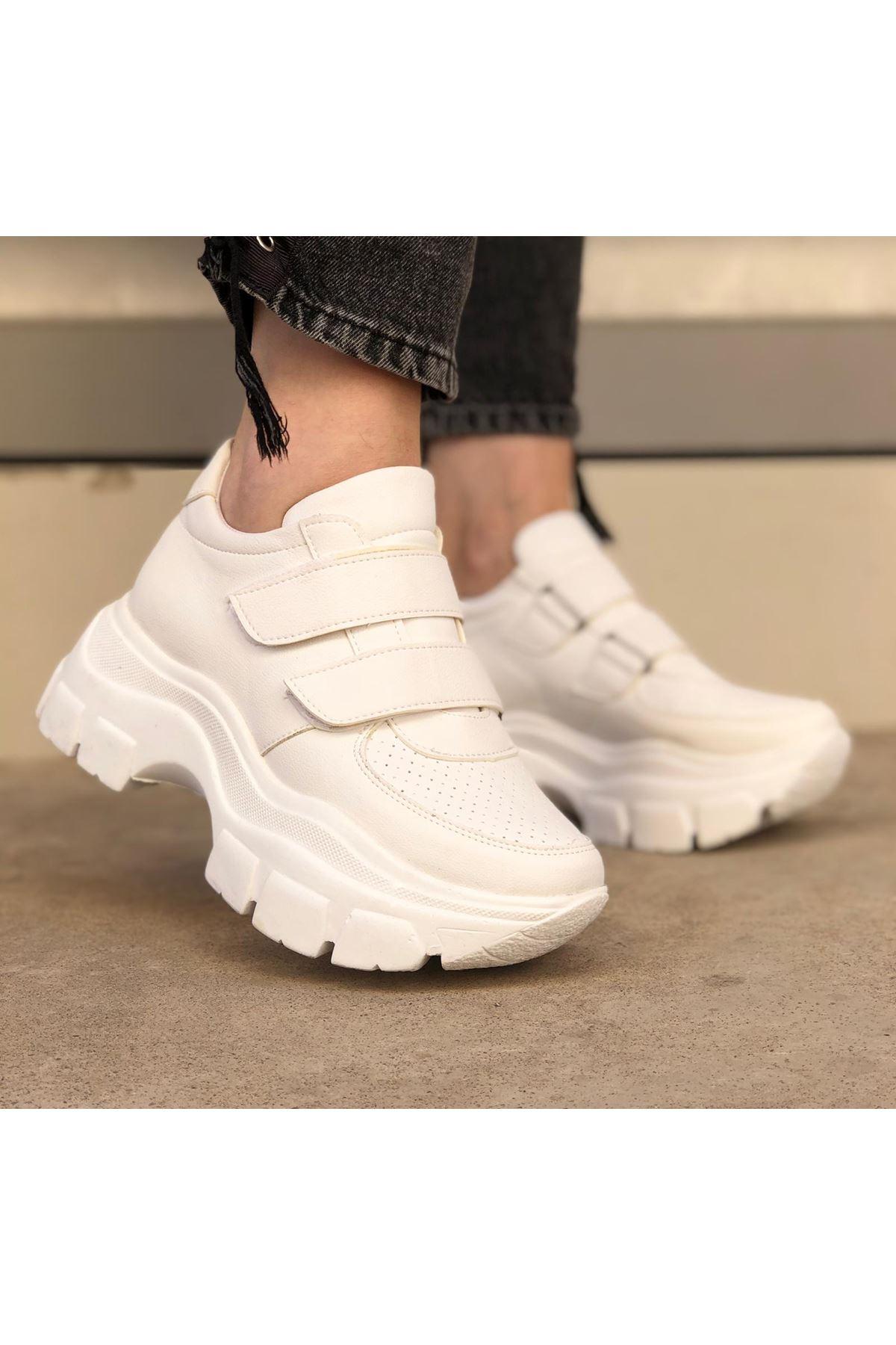 Stella Beyaz Cırt Detaylı Kadın Spor Ayakkabı