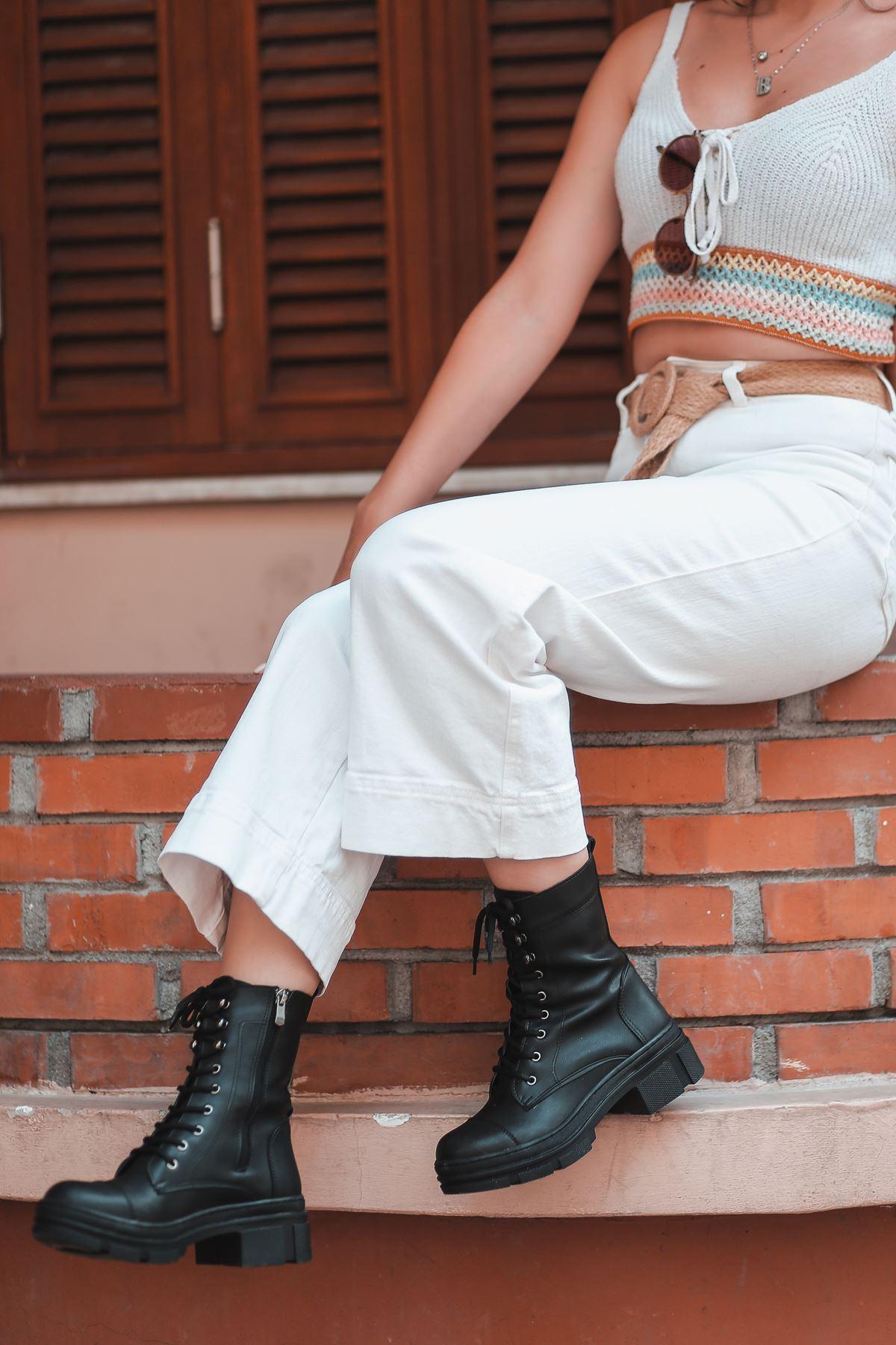Calista Siyah Bağcık Detay Kadın Postal Bot