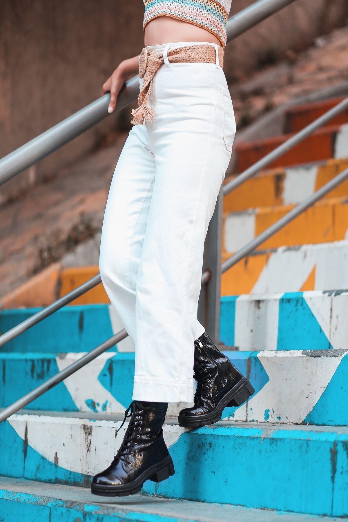 Calista Siyah Rugan Bağcık Detay Kadın Postal Bot