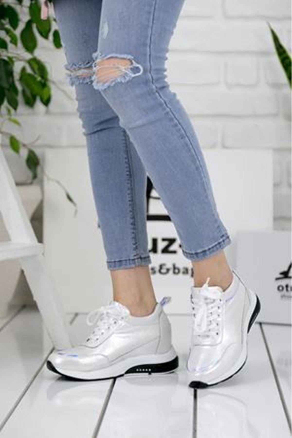 For514 Beyaz Simli Bağcık Detaylı Kadın Spor Ayakkabı