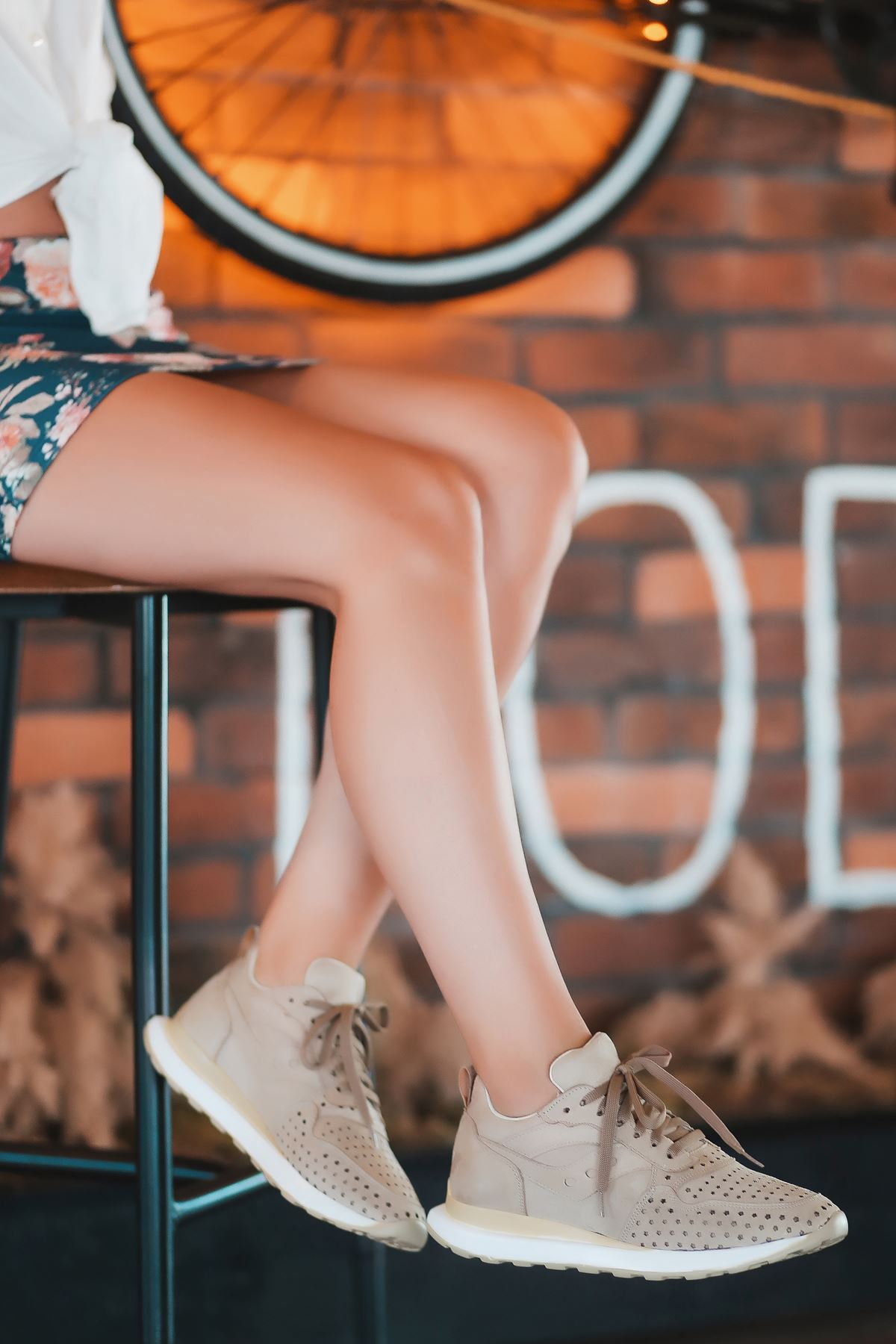 Vira Süet Lazer Kesim Detay Kadın Spor Ayakkabı Vizon