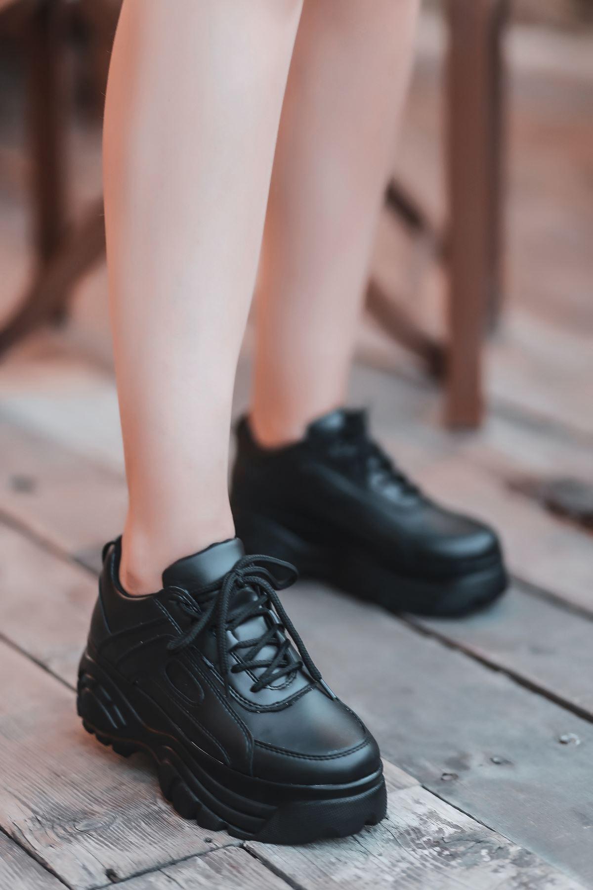 Agnes Mat Deri Kalın Taban Spor Ayakkabı Siyah