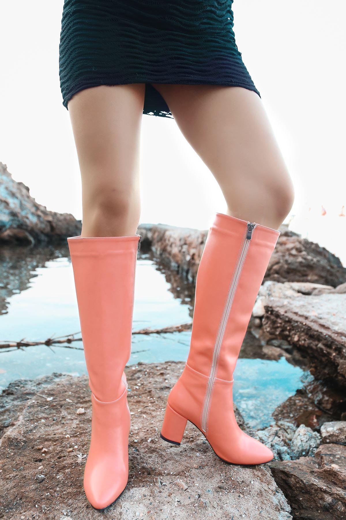 Luisa Turuncu Uzun Kadın Çizme