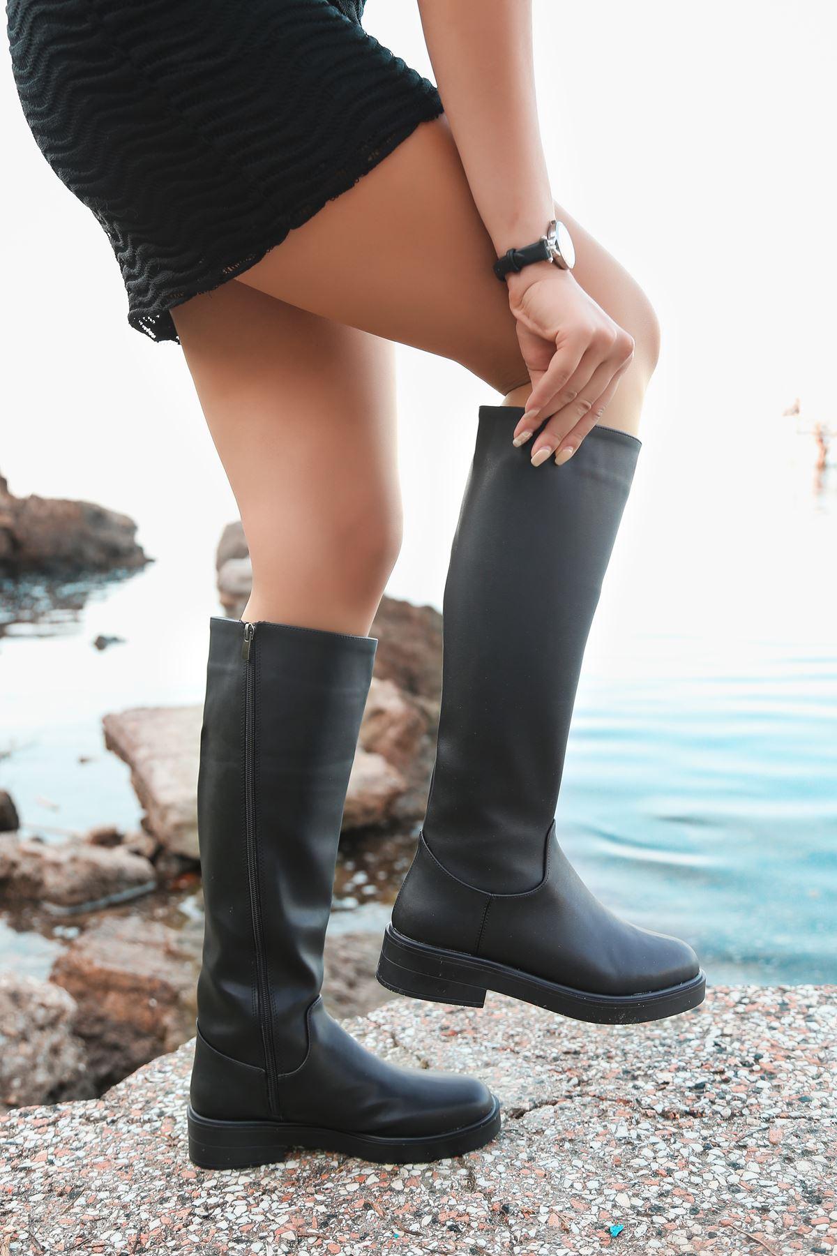 Ronay Mat Deri Fermuar Detaylı Siyah Uzun Kadın Çizme