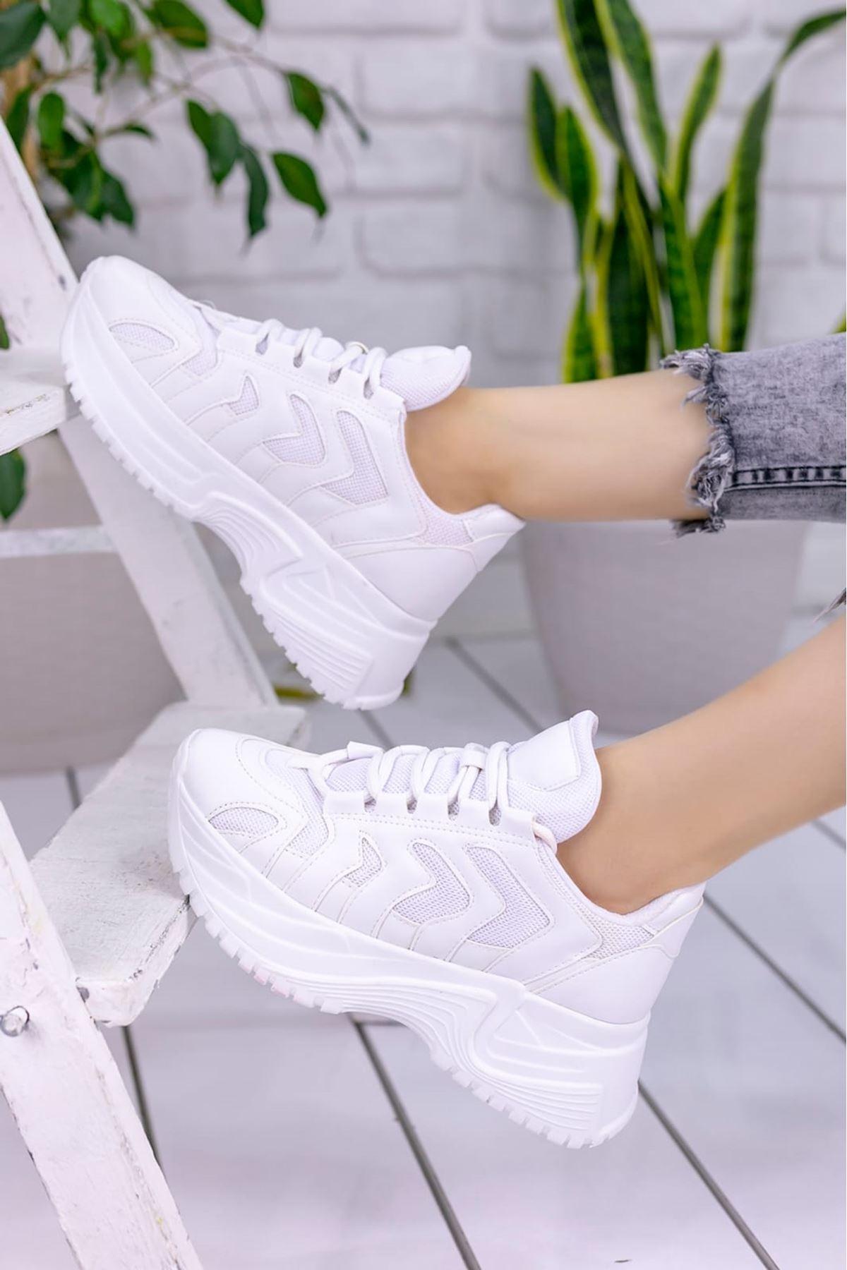 Milo Beyaz Mat Deri Bağcık Detaylı Kadın Spor Ayakkabı