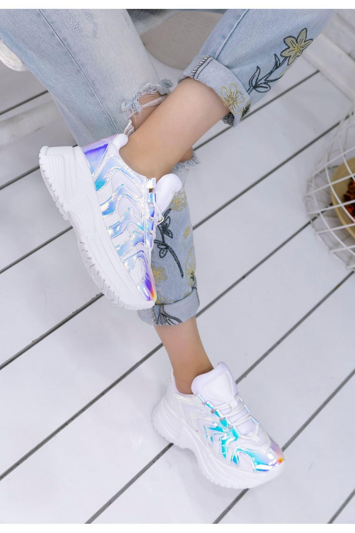 Milo Beyaz Hologram Bağcık Detaylı Kadın Spor Ayakkabı