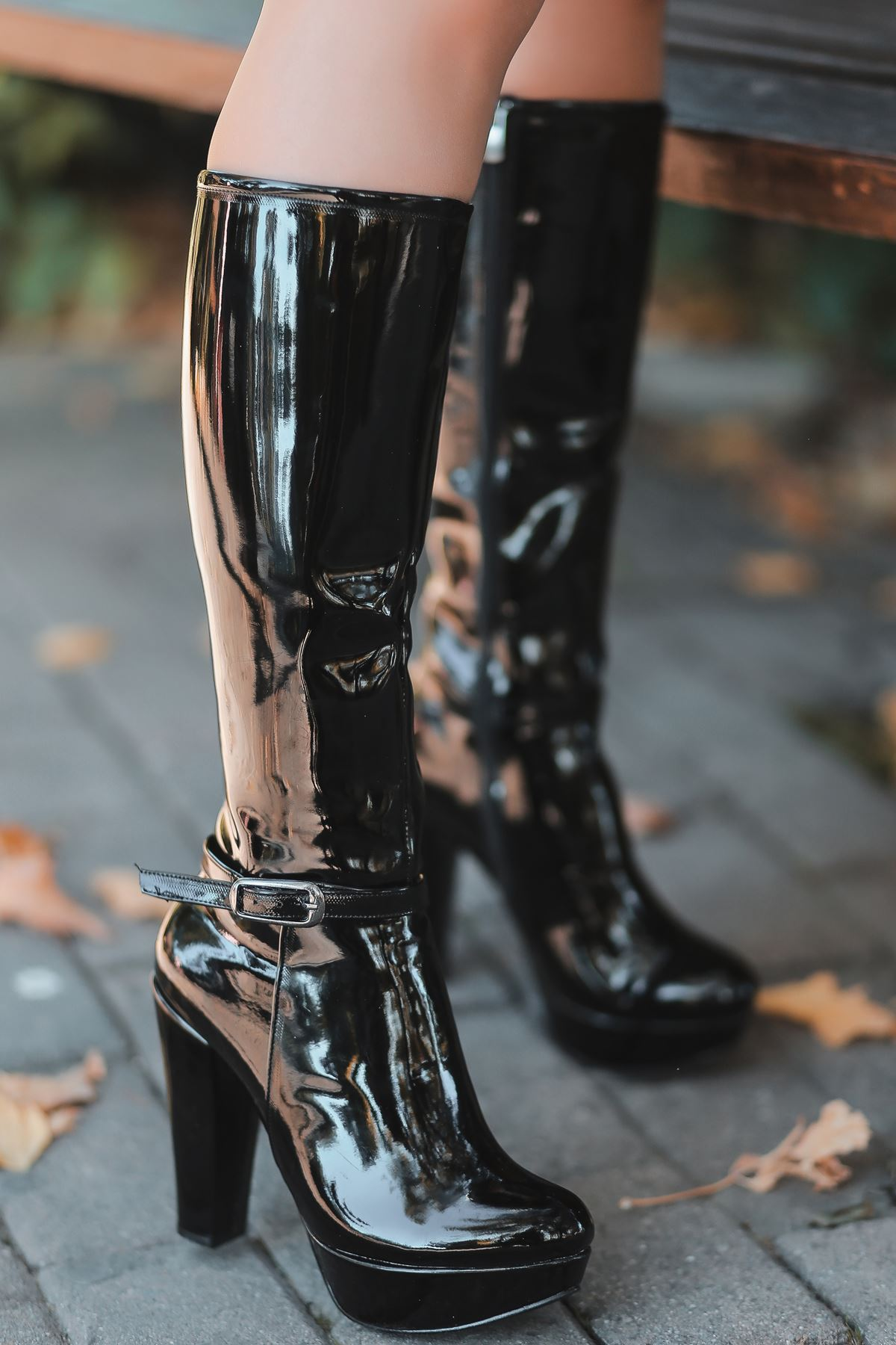 Rumeya Rugan Toka Detay Platform Çizme Siyah