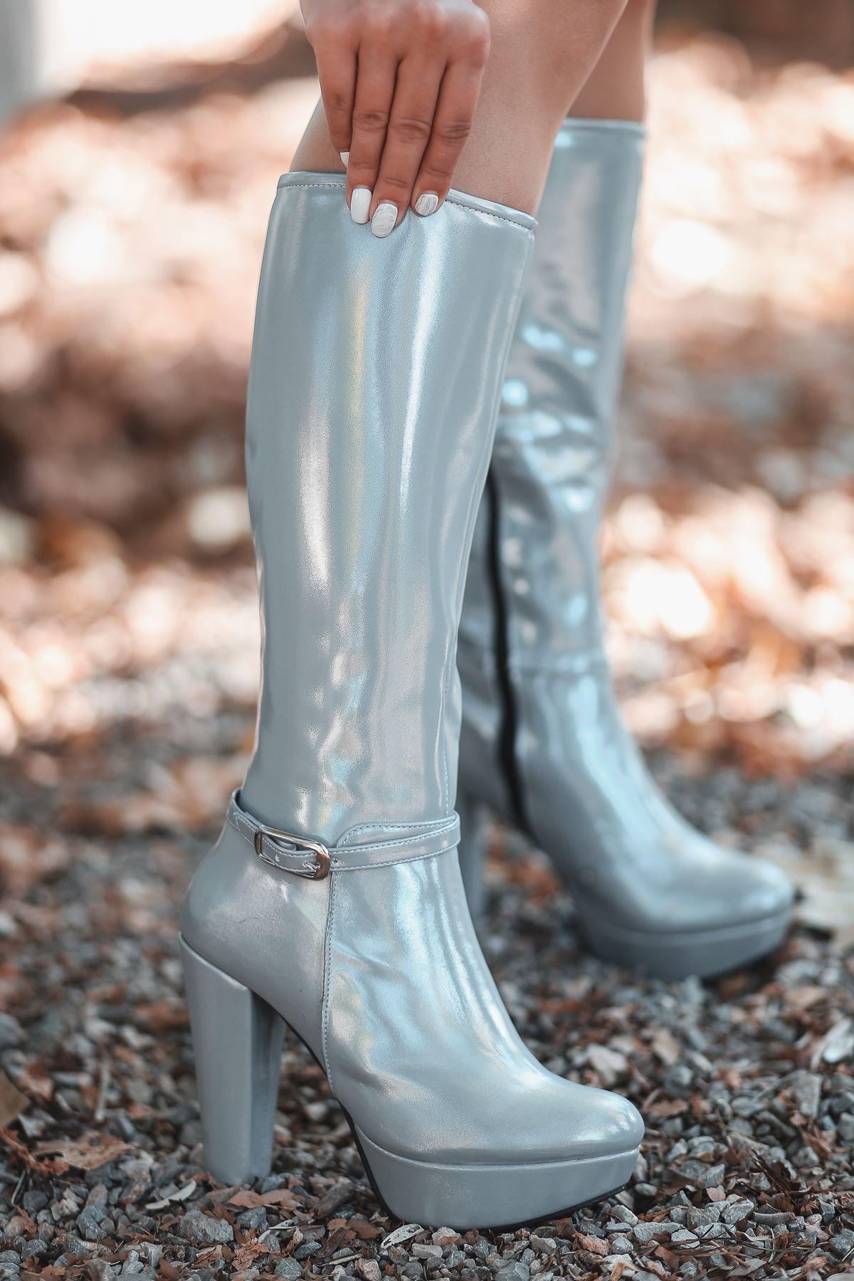 Rumeya Mat Deri Toka Detay Platform Çizme Gümüş Rugan