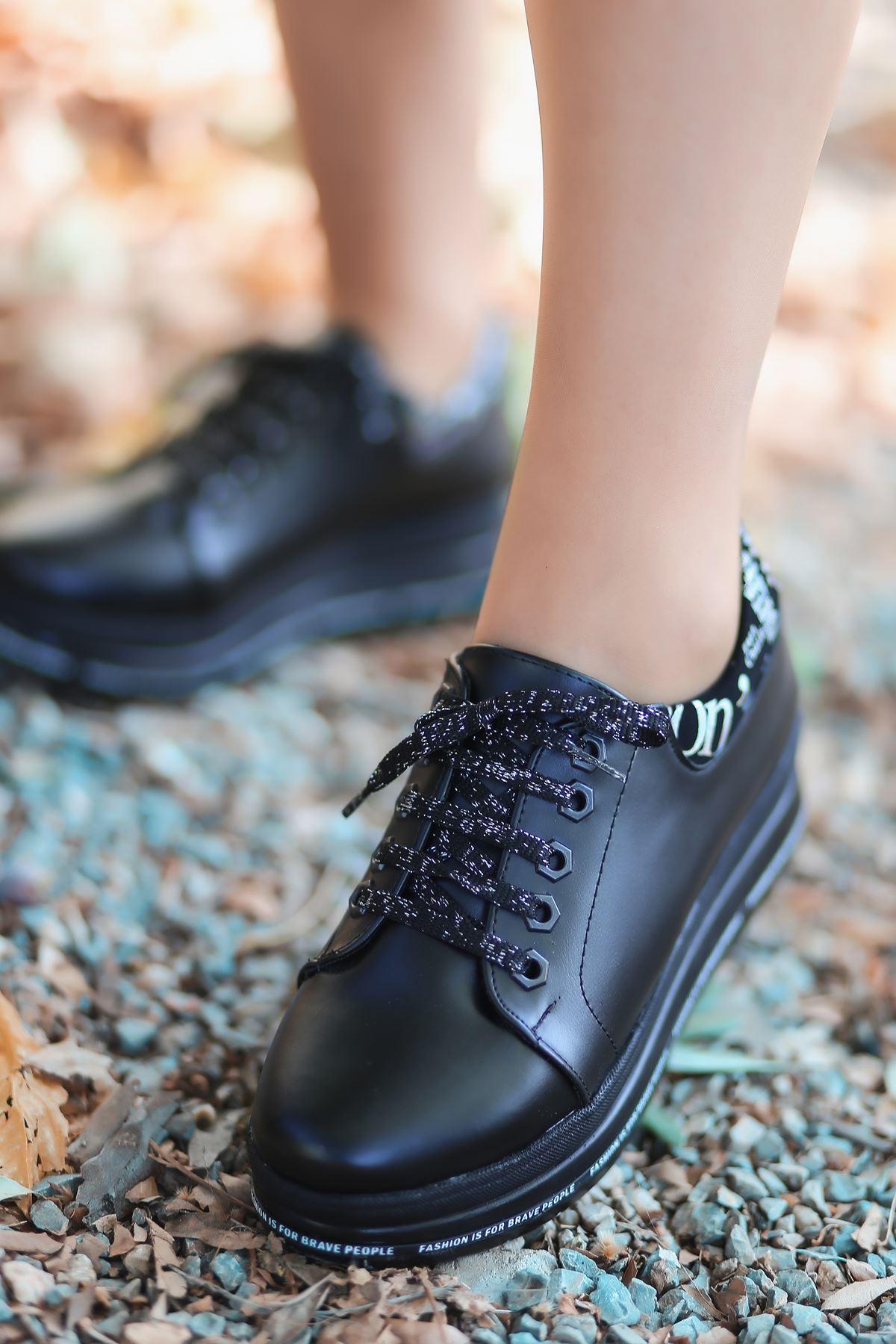 Prag Yazı Detay Simli Bağcık Siyah Kadın Spor Ayakkabı