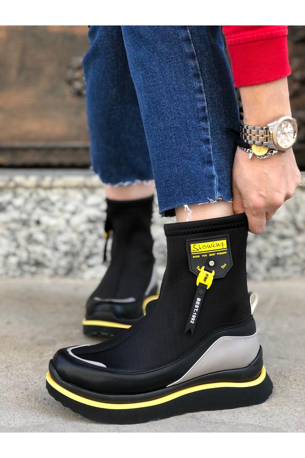 Show Dalgıç Kumaş Sarı Armalı Siyah Çekme Kadın Bot
