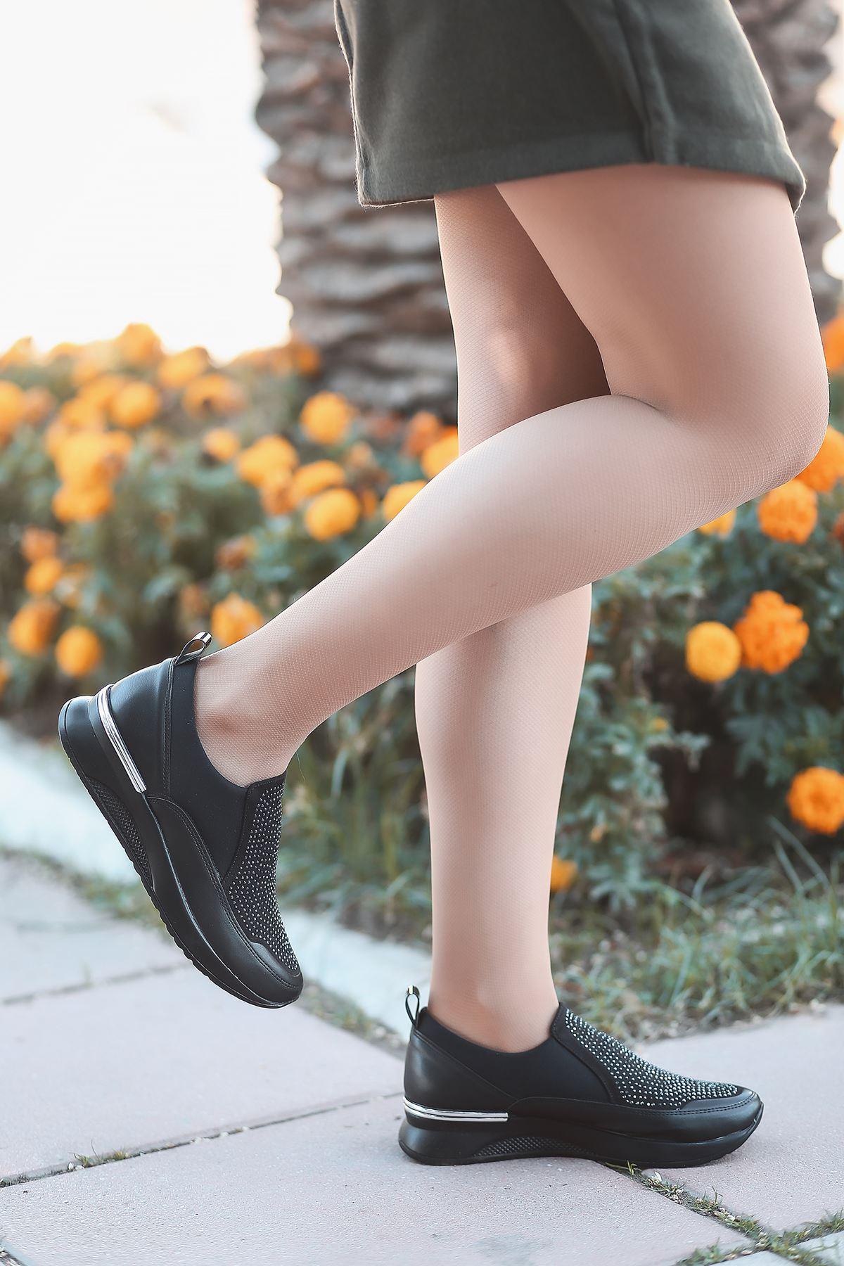 Mody Taş Detaylı Siyah Kadın Spor Ayakkabı