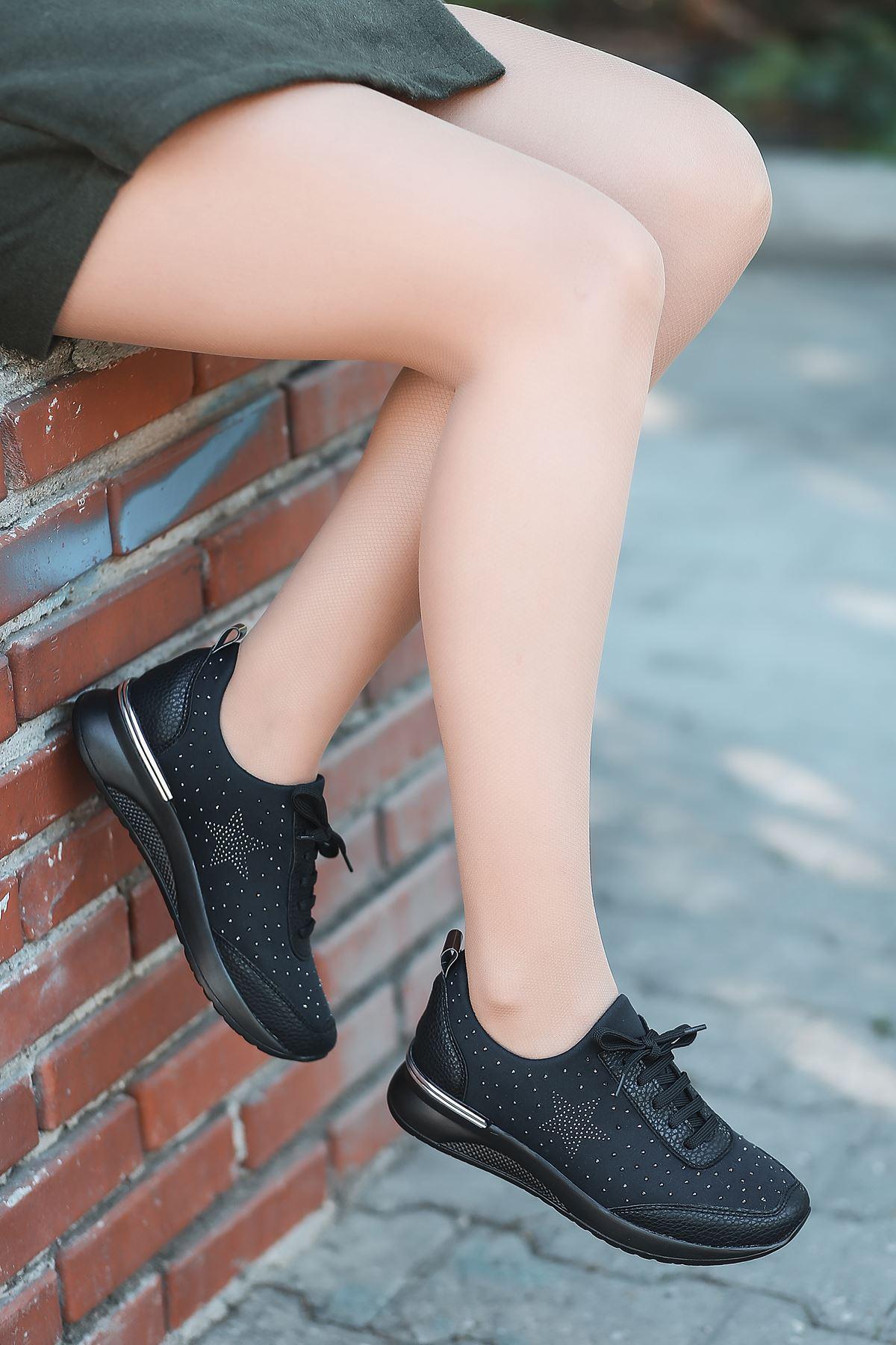 Wrap Taş Detaylı Bağcıklı Siyah Kadın Spor Ayakkabı