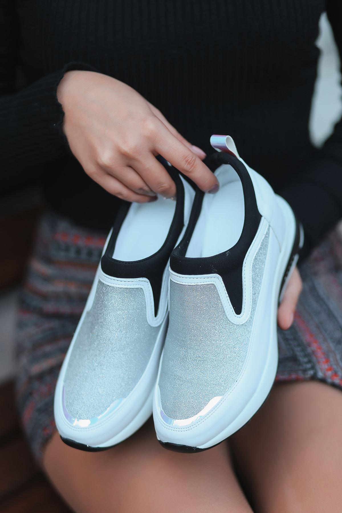 Kamuflaj Gümüş Detaylı Beyaz Kadın Sneakers