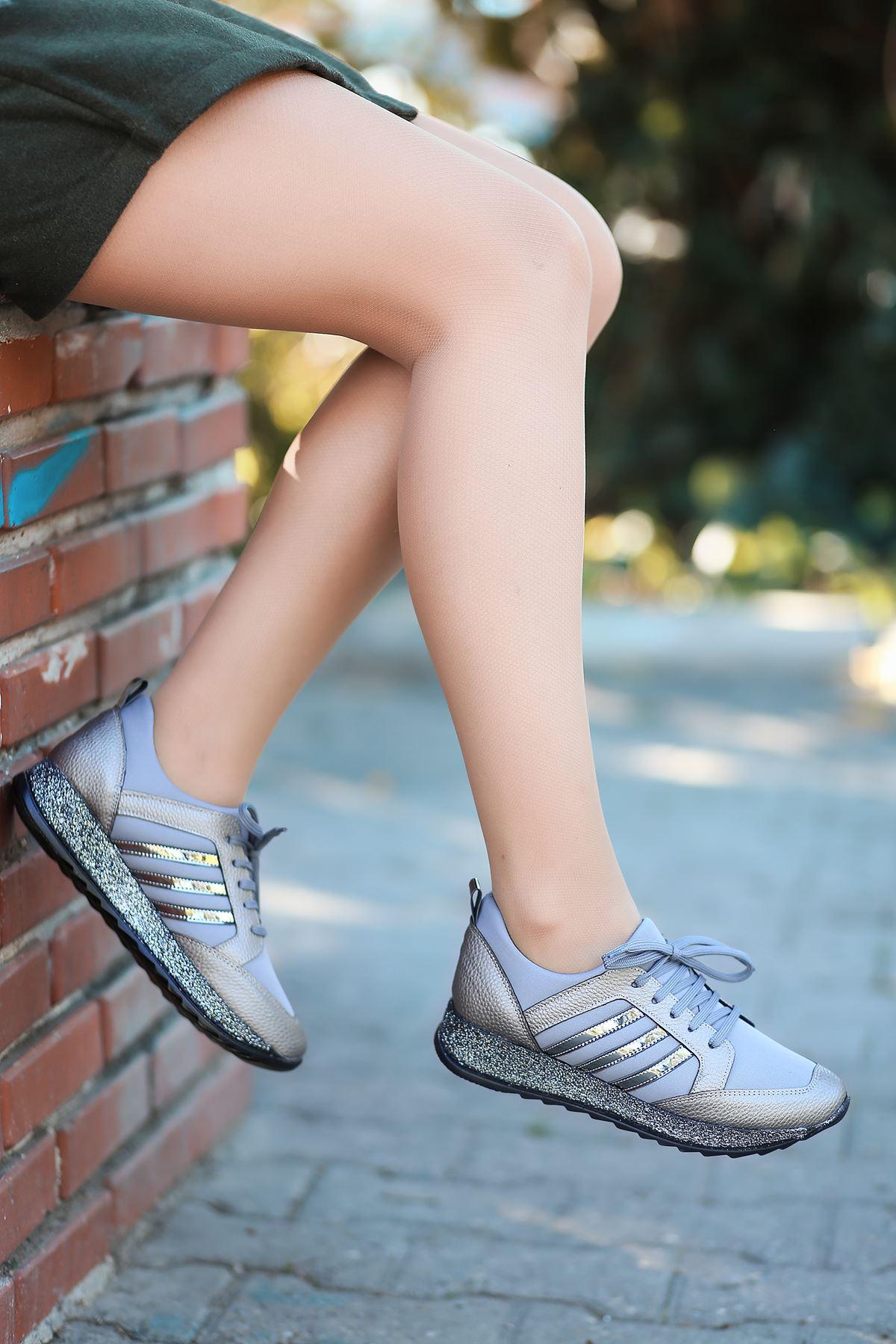 Galax Bağcık Detaylı Simli Taban Platin Kadın Spor Ayakkabı