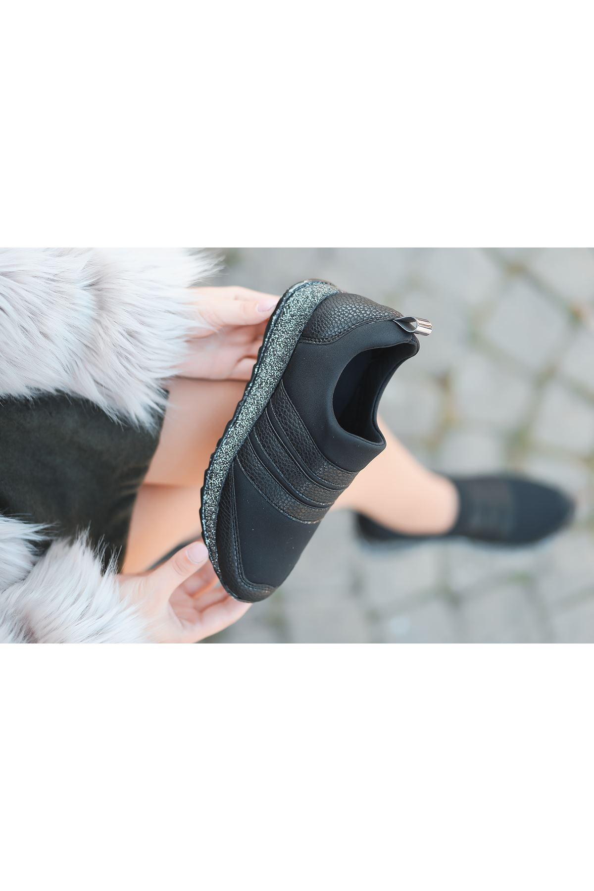 Mita Simli Taban Siyah Kadın Spor Ayakkabı