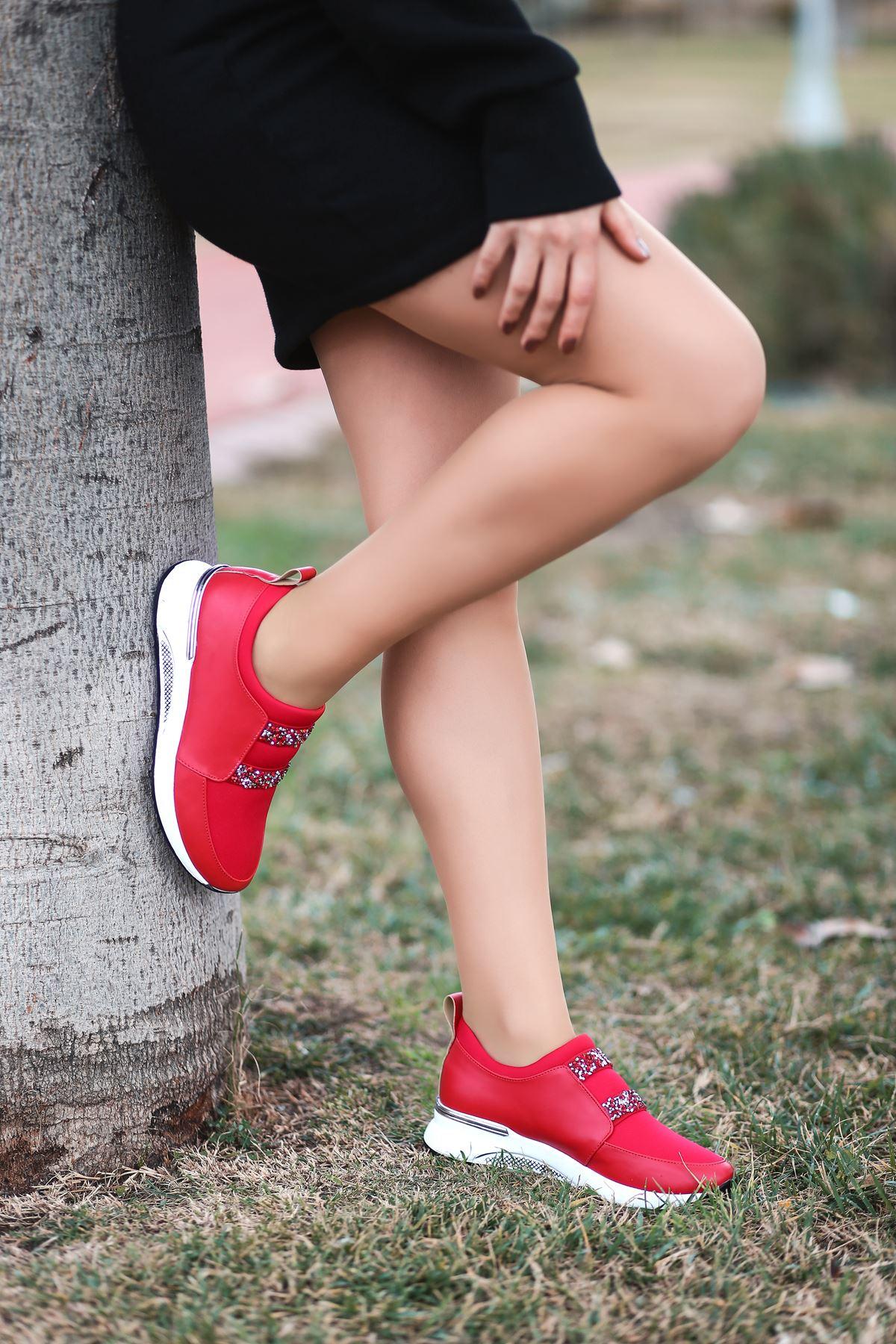 Oliver Taş Detaylı Kırmızı Kadın Spor Ayakkabı