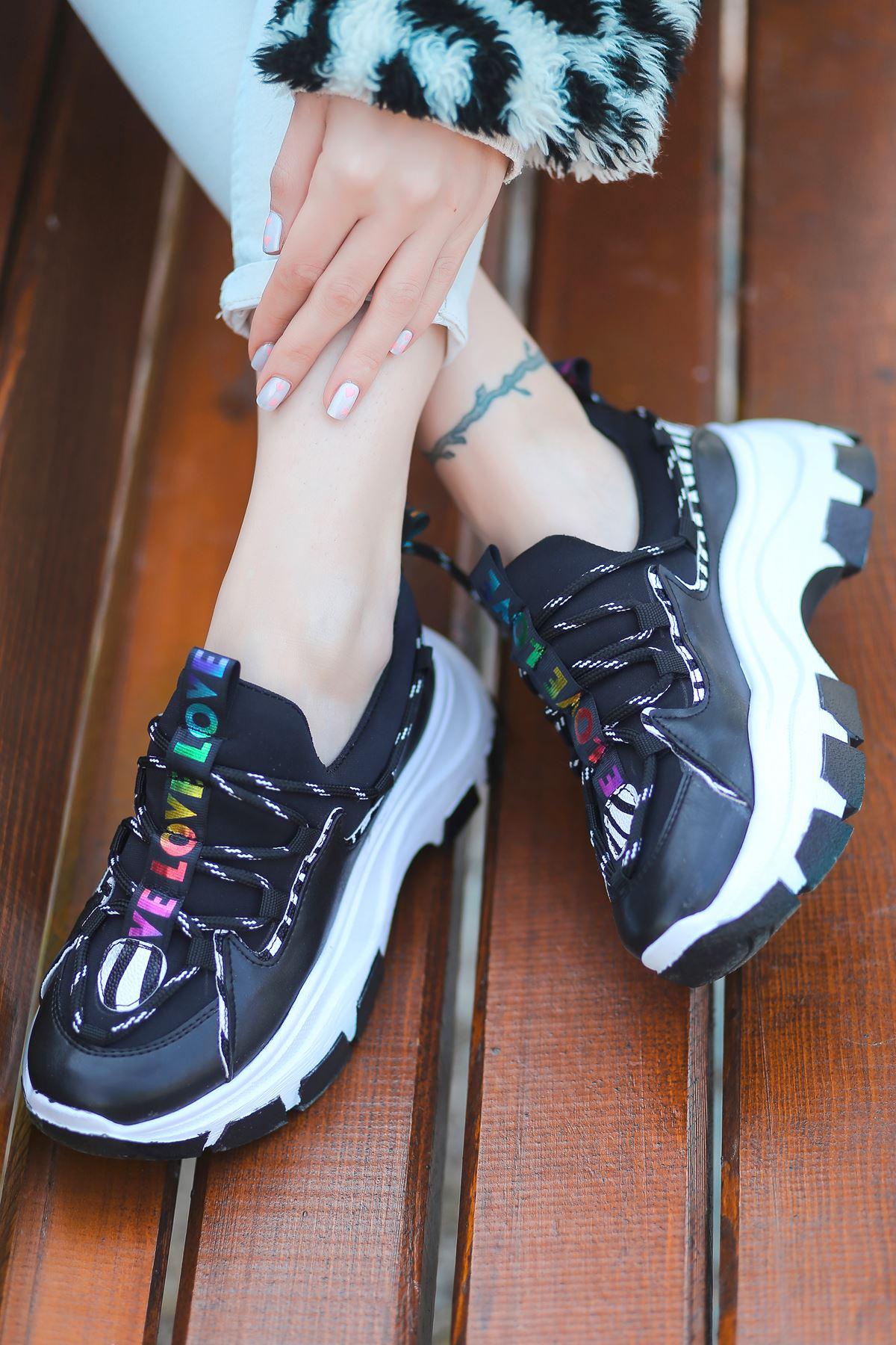 Nice Dalgıç Kumaş Detaylı Bağcıklı Siyah Kadın Spor Ayakkabı