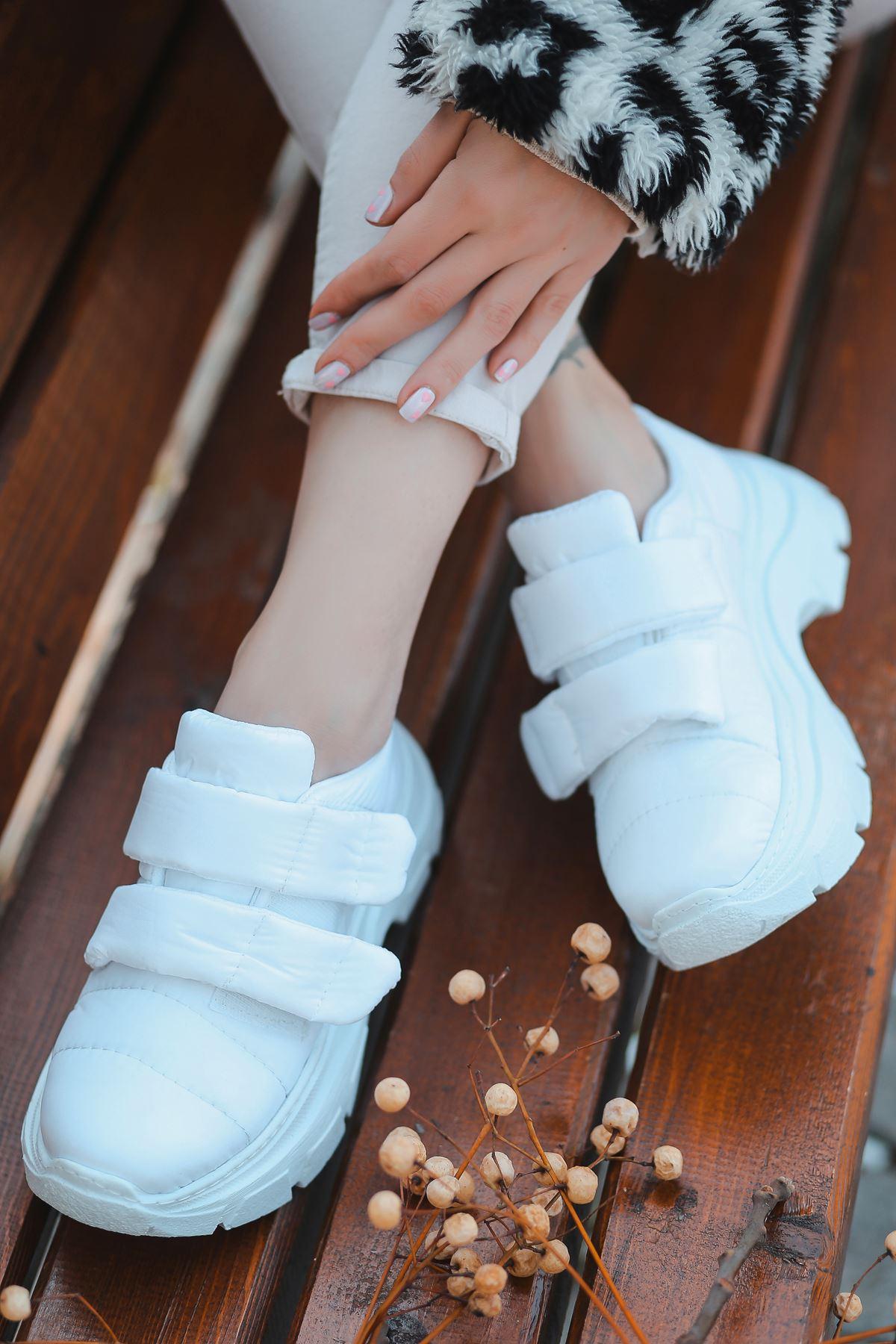 Eylül Cırt Detaylı Paraşüt Beyaz Kadın Spor Ayakkabı